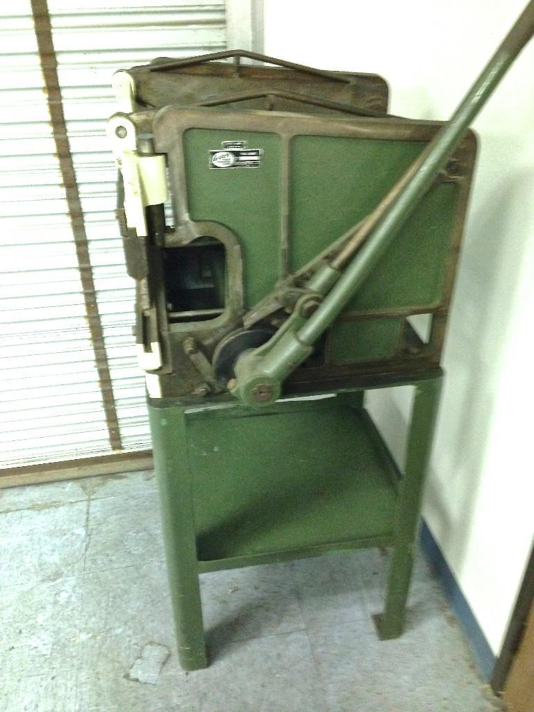 diacro press brake model 16 24 hand operated ser 1742 with rh bidspotter com Chicago Brake Press Manual Di Acro Press Brake Manual