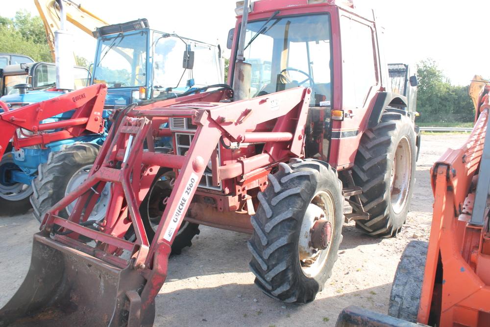 4 Door Tractor : International xl door tractor reg no dod y d f r