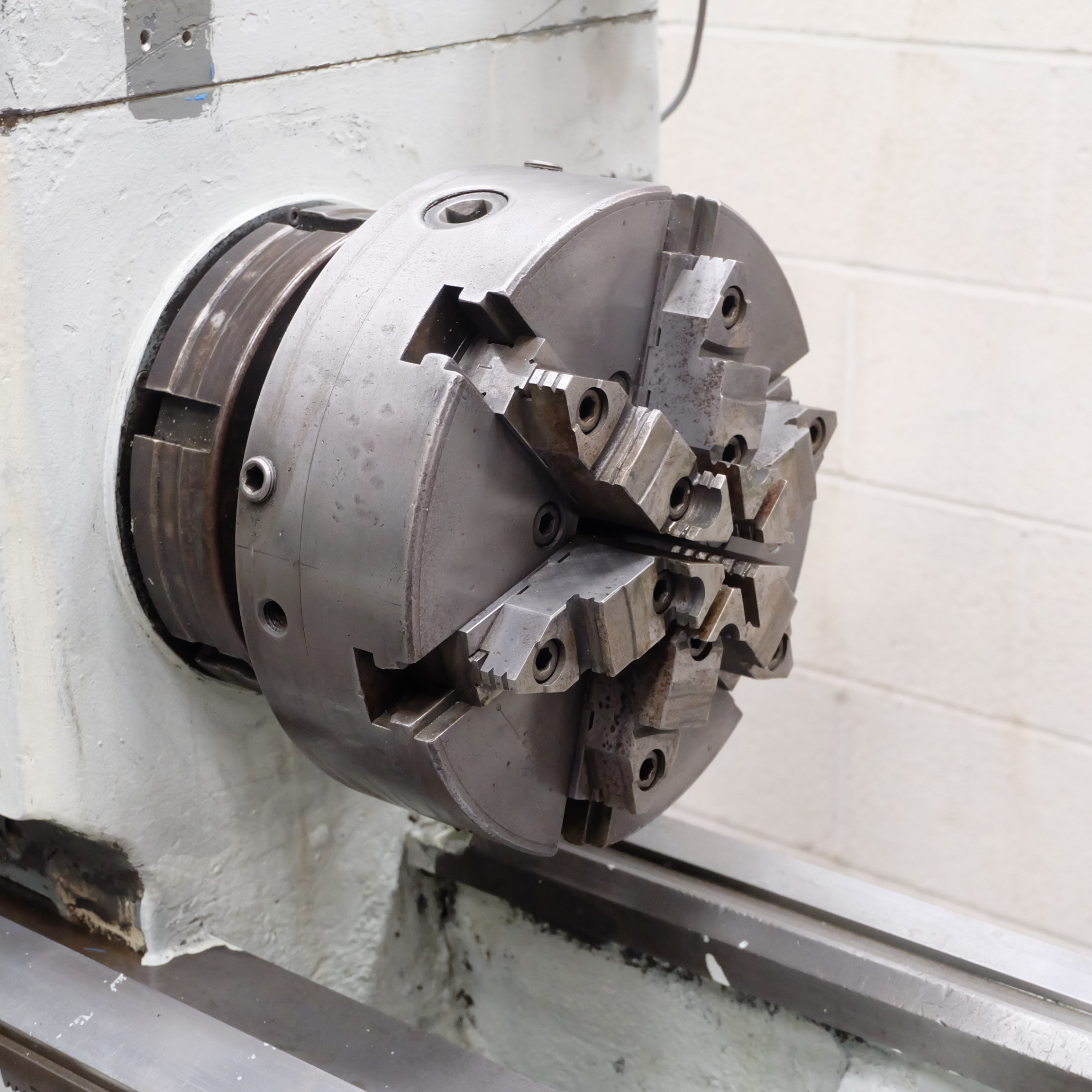 Lot 5 - A Le-Blond Regal Polishing Lathe, Spindle Bore 3in