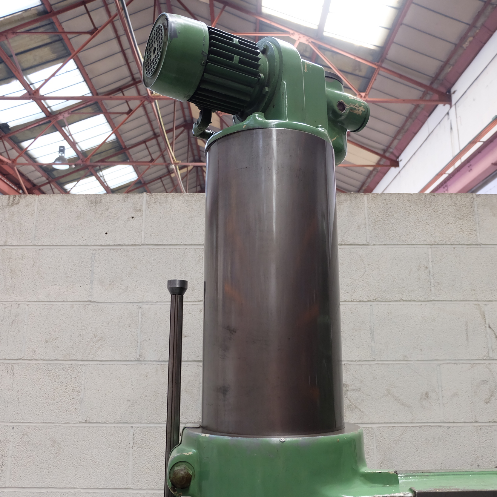 Lot 6 - A Kitchen and Walker E50-1400 Radial Arm Drill, 5