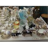 A mixed assortment of assorted sundries including oil lamp and bachelor tea set