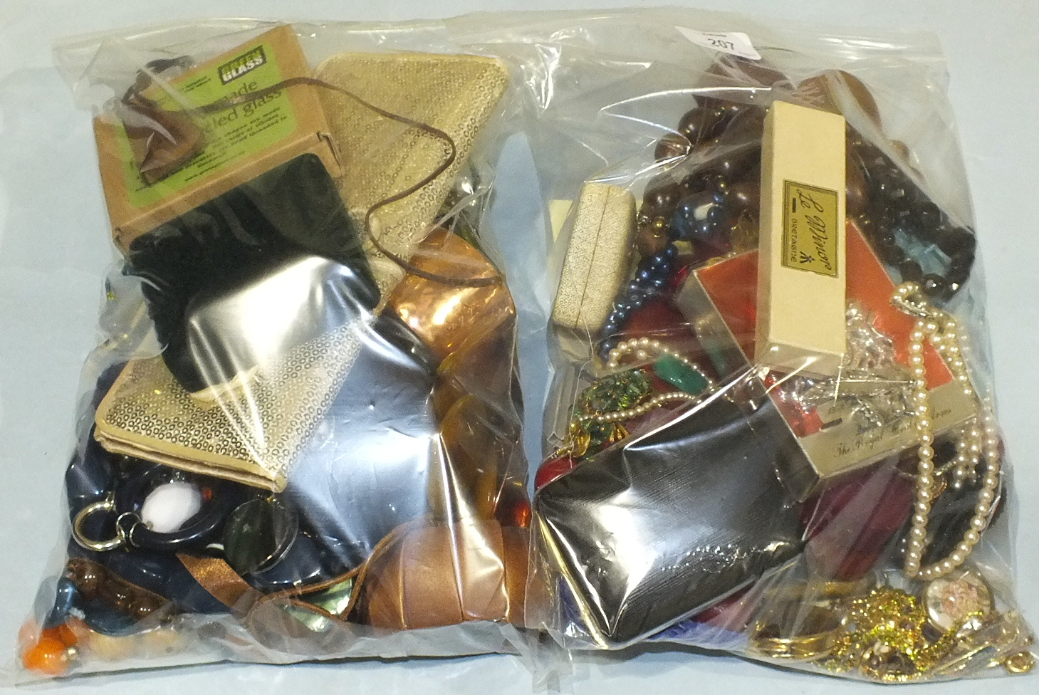 Lot 207 - A large quantity of costume jewellery.