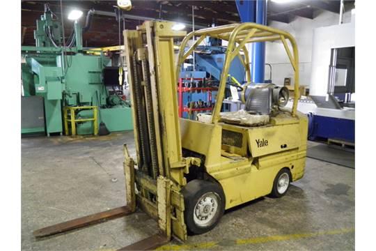 Yale Fork Lift, Model L83C-080-SBS-083, 8000 Lbs Capacity