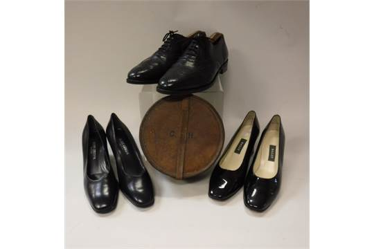 A box of vintage ladies shoes to in Kurk Geiger and Bally together with...