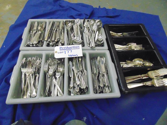 Lot 177 - Various knifes/forks/spoons/fish knifes