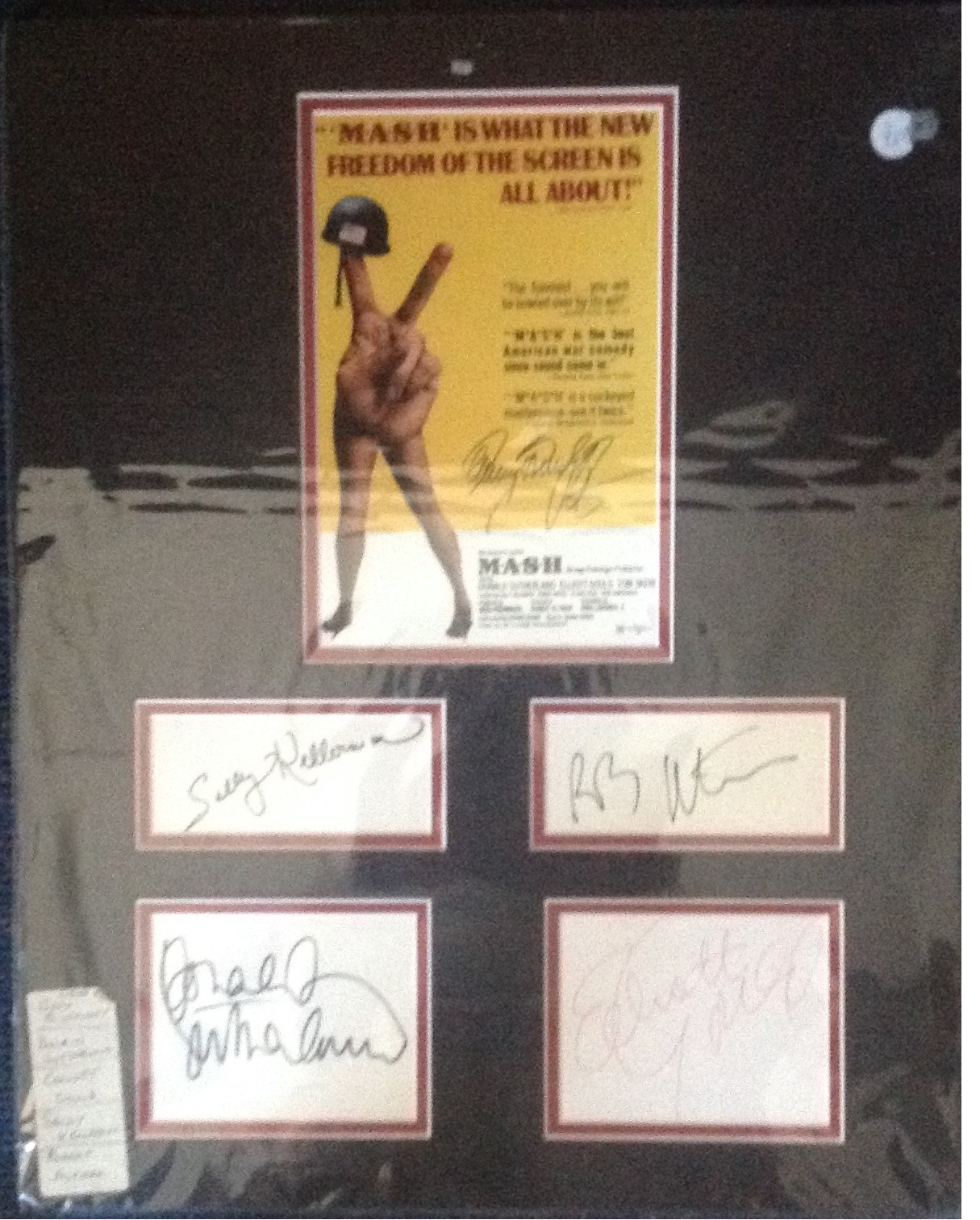 Lot 40 - Mash 20x16 overall signature piece from the hit 1970 movie signed by stars Gary Burghoff, Donald
