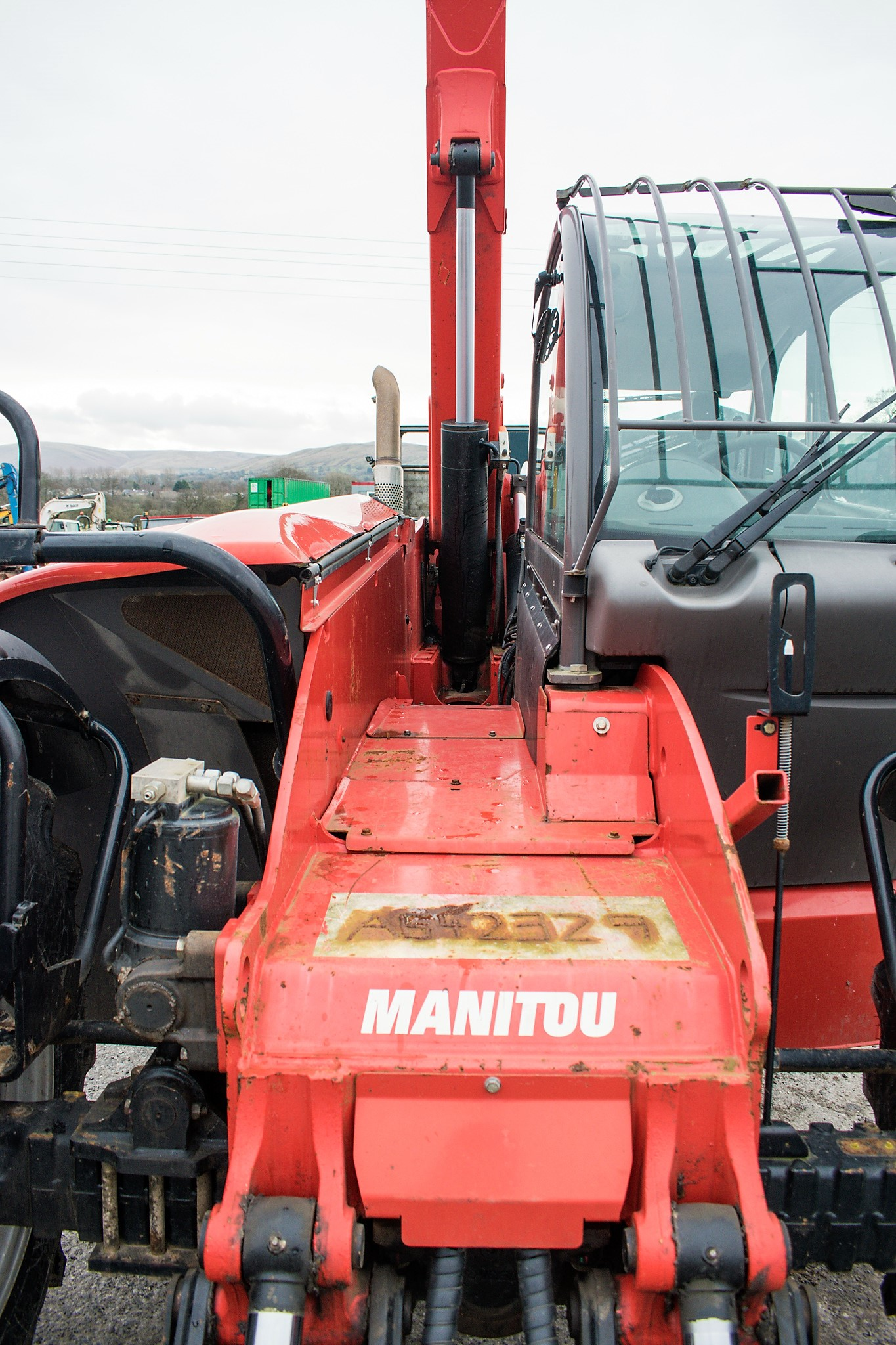 Manitou MT1335 13 metre telescopic handler Year: 2014 S/N: 941567 Recorded Hours: 1907 c/w sway - Image 15 of 22