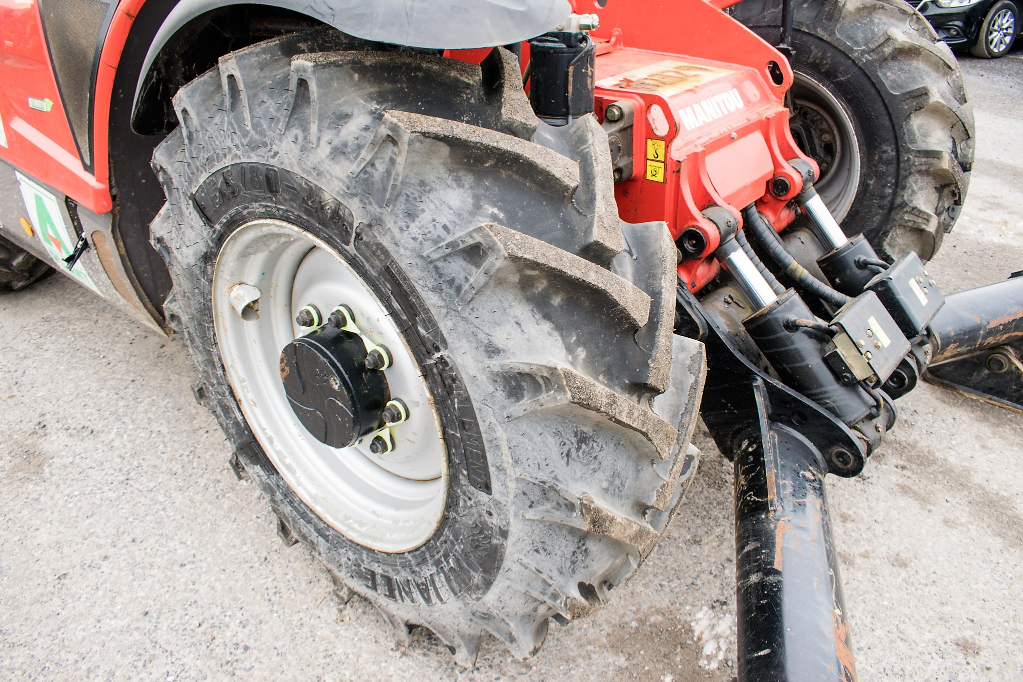 Manitou MT1335 13 metre telescopic handler Year: 2014 S/N: 941567 Recorded Hours: 1907 c/w sway - Image 13 of 22