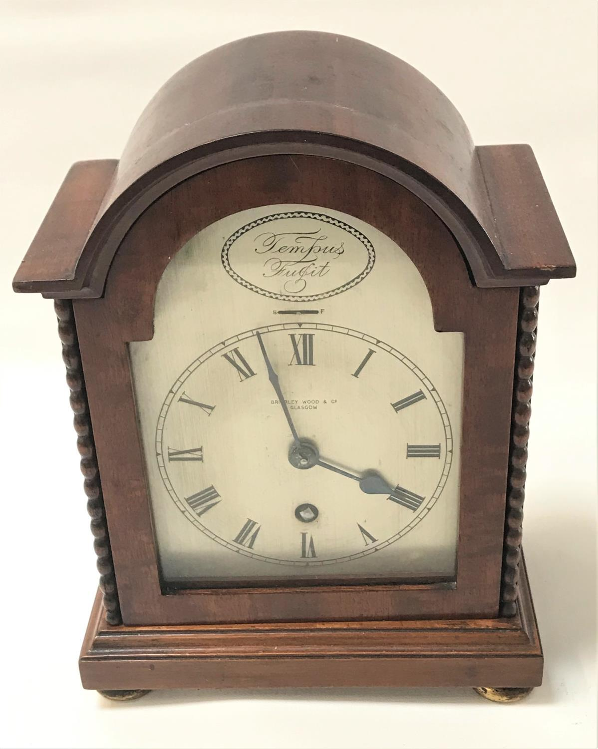 Lot 282 - MODERN MAHOGANY CASED MANTEL CLOCK the silver dial marked for Brierley Wood & Co, Glasgow, with