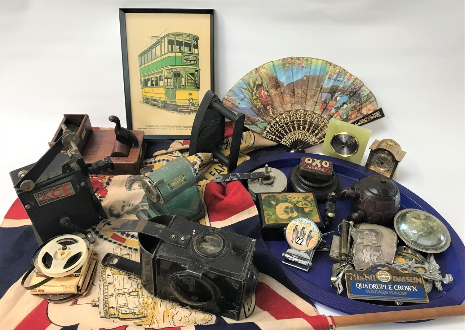 Lot 267 - LOT OF VINTAGE COLLECTABLES including a railway lamp, AA car badges, a Pathescope Ace 9.5mm