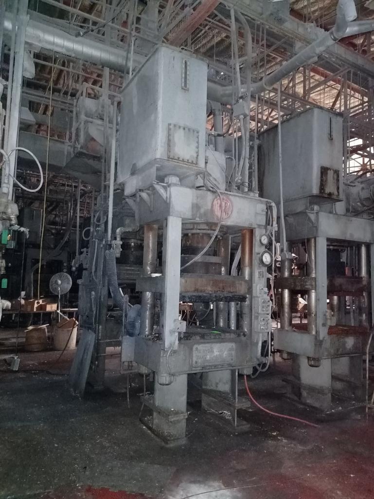 HPM 400T 4-Post Compression Molding Press