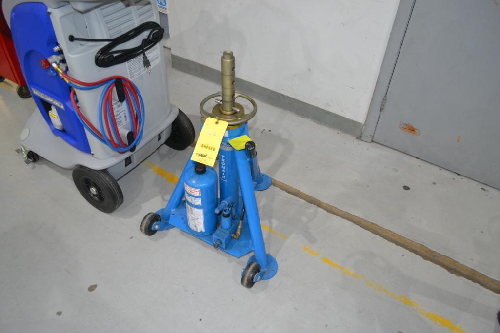 Tronair 10,000 lb. Portable Hydraulic Jack Model 02-0526-0110, S/N 1843360103