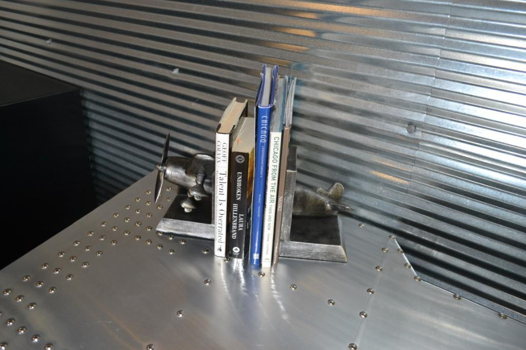 LOT: Aluminum Wing Table with Clock, Books, Book Ends - Image 3 of 3