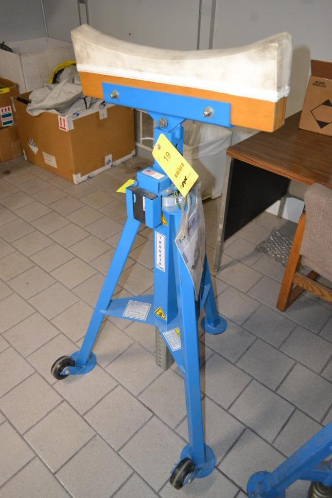 Tronair Portable Tail Stand Model 03A5831-0000, S/N 3102080101 (2008)