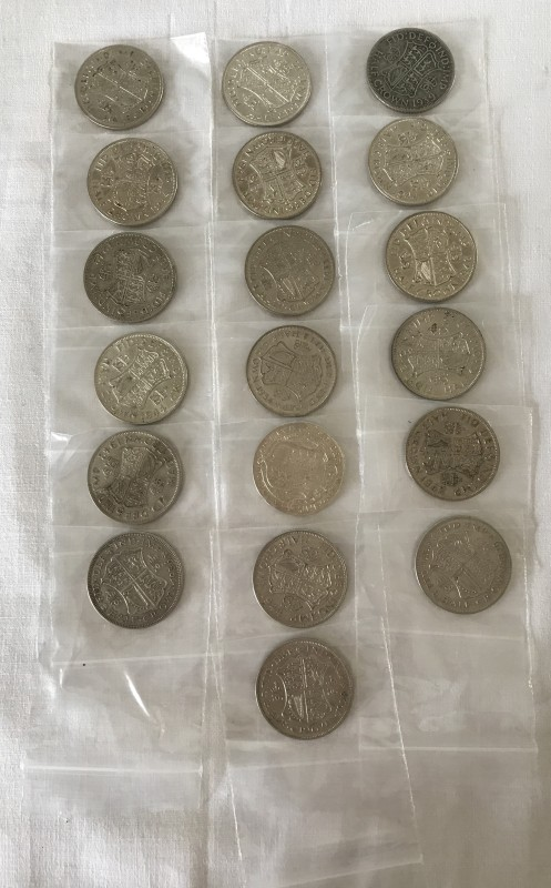 Lot 163 - A bag of 19 mixed half crowns pre 1947 - all 50% silver.