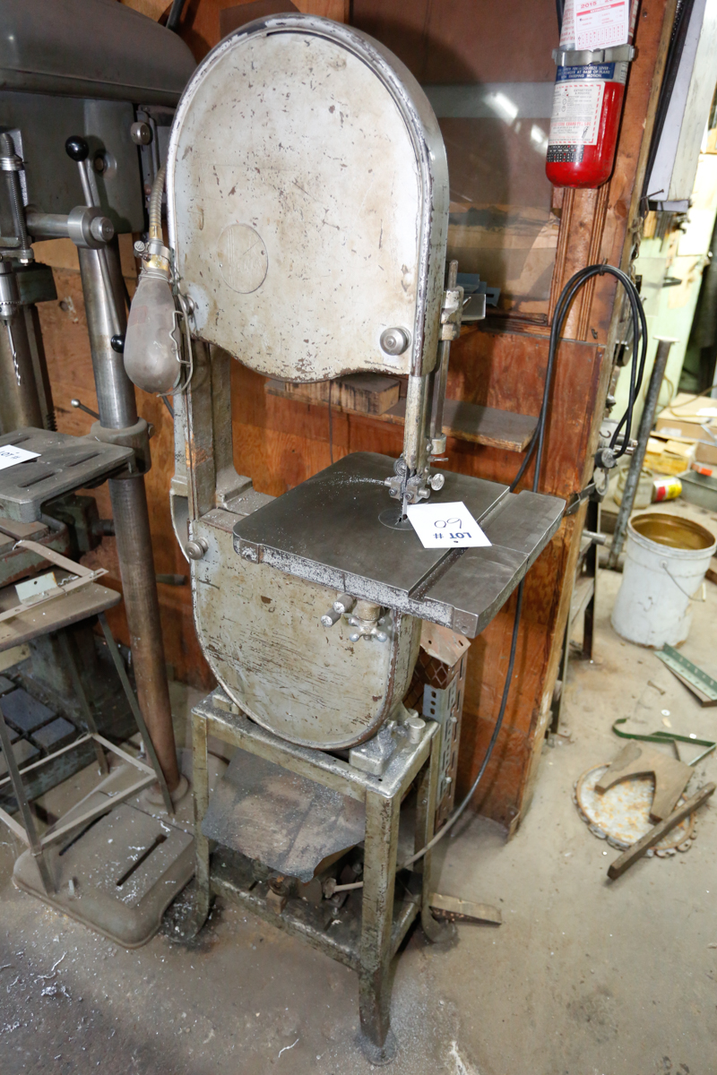 """Lotto 60 - ROCKWELL 14"""" VERTICAL BAND SAW"""