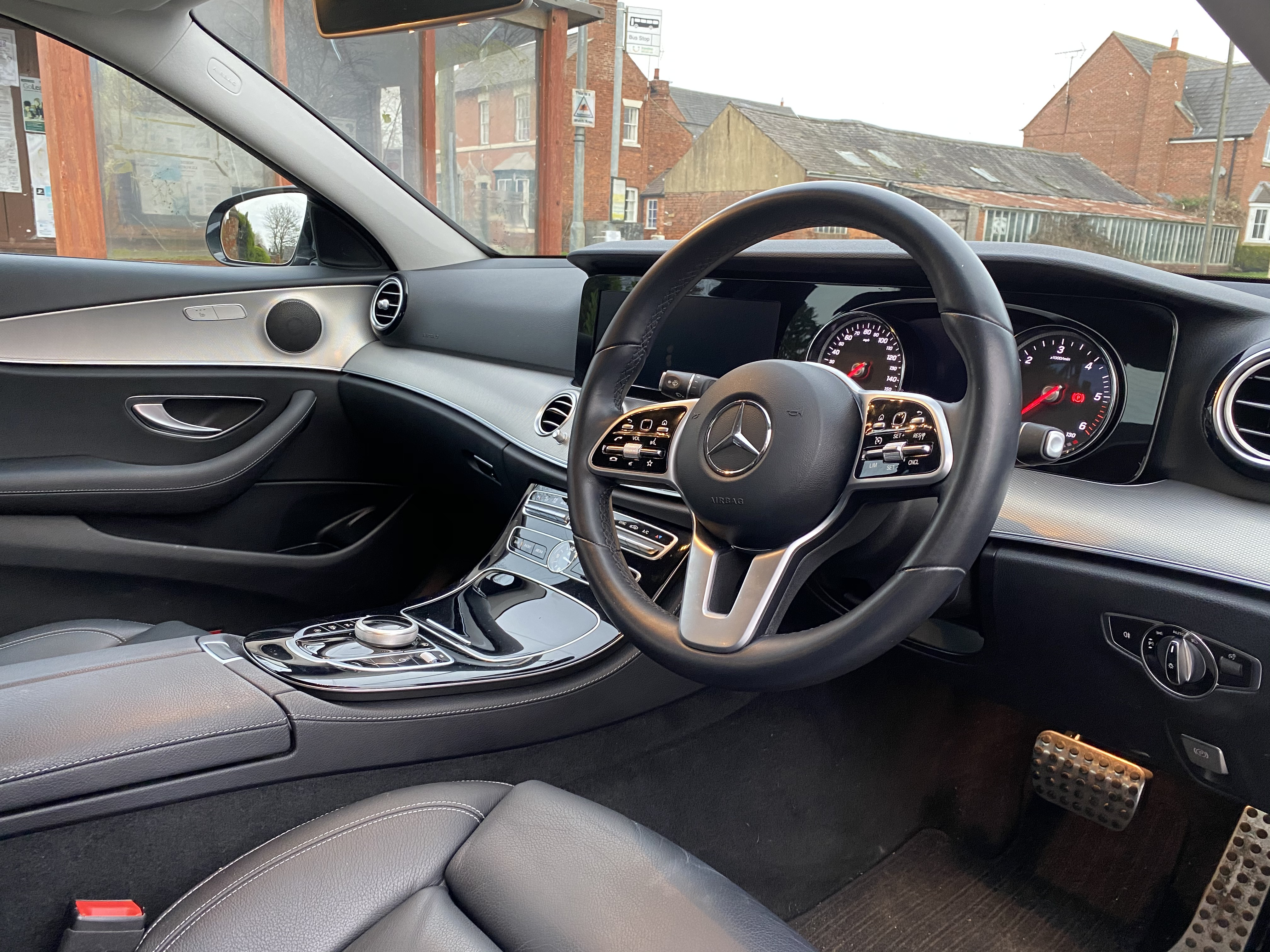 """ON SALE MERCEDES E220d """"SPECIAL EQUIPMENT"""" 9G-TRONIC (2019 MODEL) *GREAT SPEC*SAT NAV - LEATHER - Image 14 of 26"""