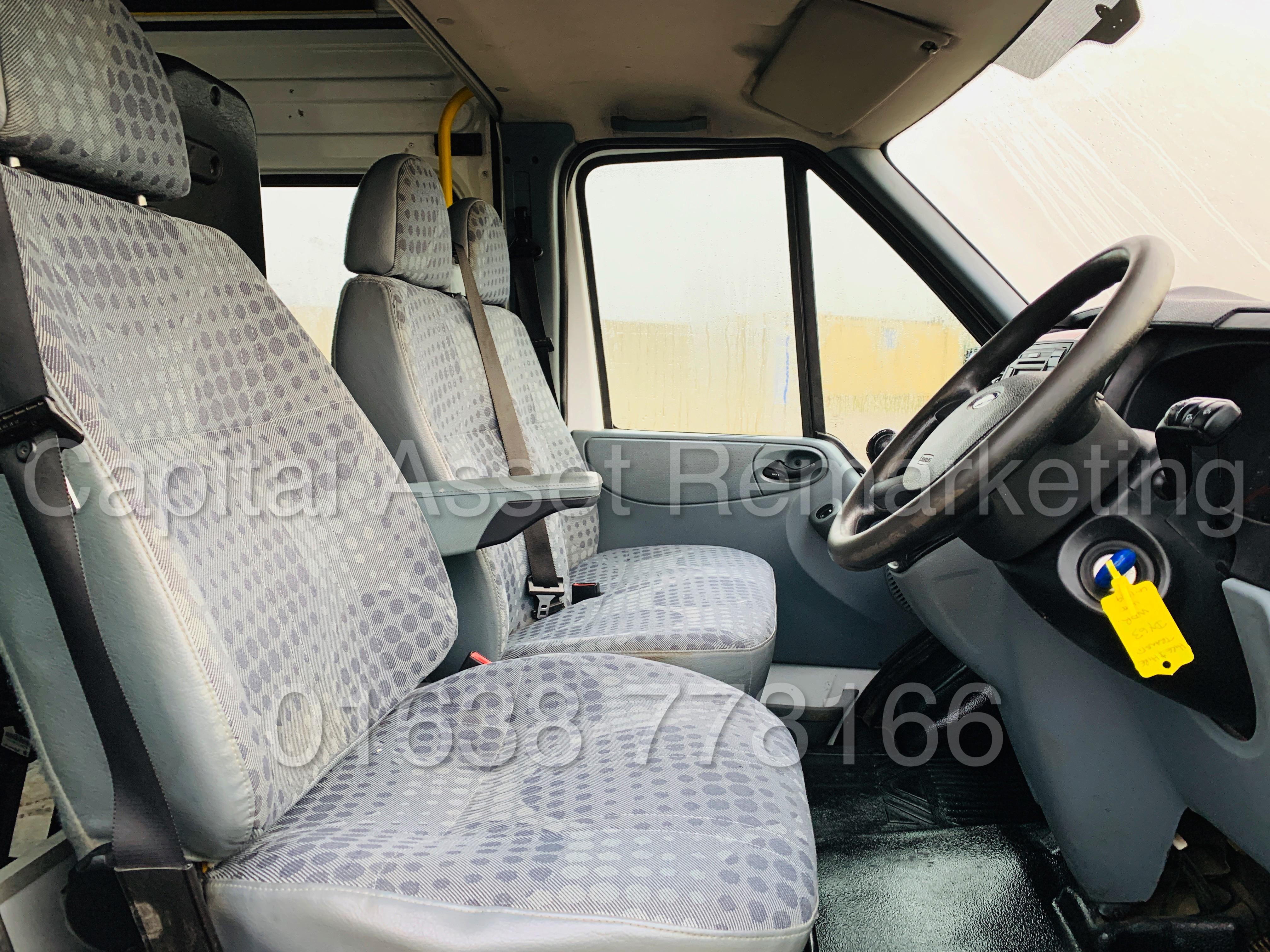 FORD TRANSIT T350 *LWB - 7 SEATER MESSING UNIT* (2014 MODEL) '2.4 TDCI - 6 SPEED' *ON BOARD TOILET* - Image 32 of 44