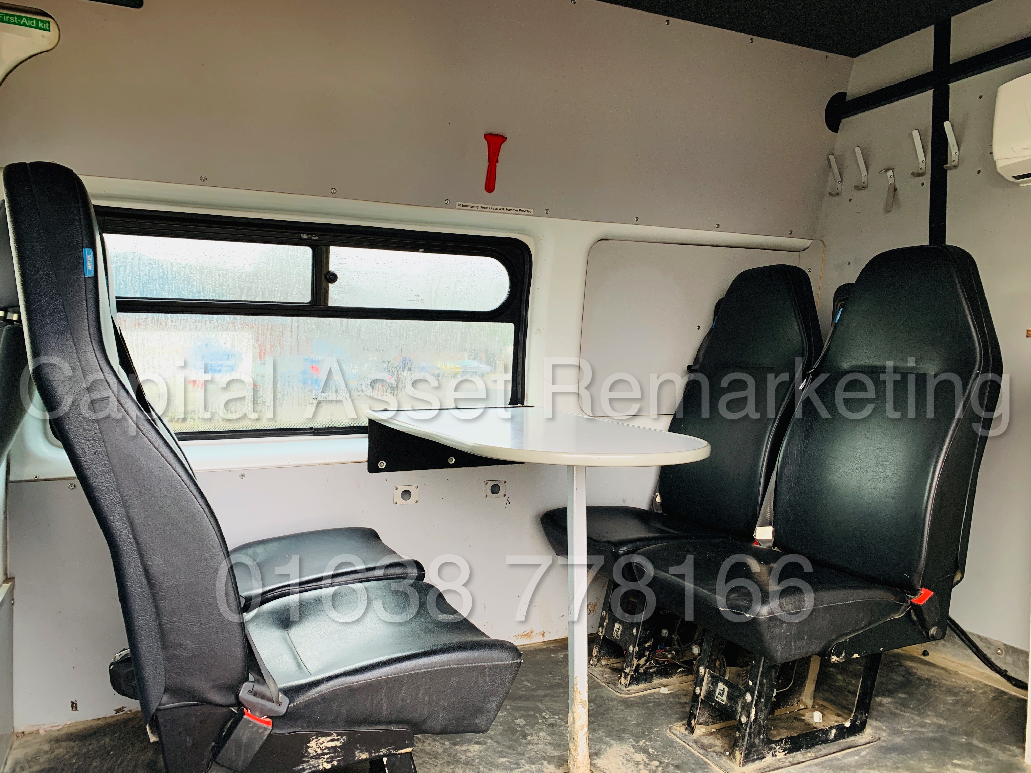 FORD TRANSIT T350 *LWB - 7 SEATER MESSING UNIT* (2014 MODEL) '2.4 TDCI - 6 SPEED' *ON BOARD TOILET* - Image 20 of 44