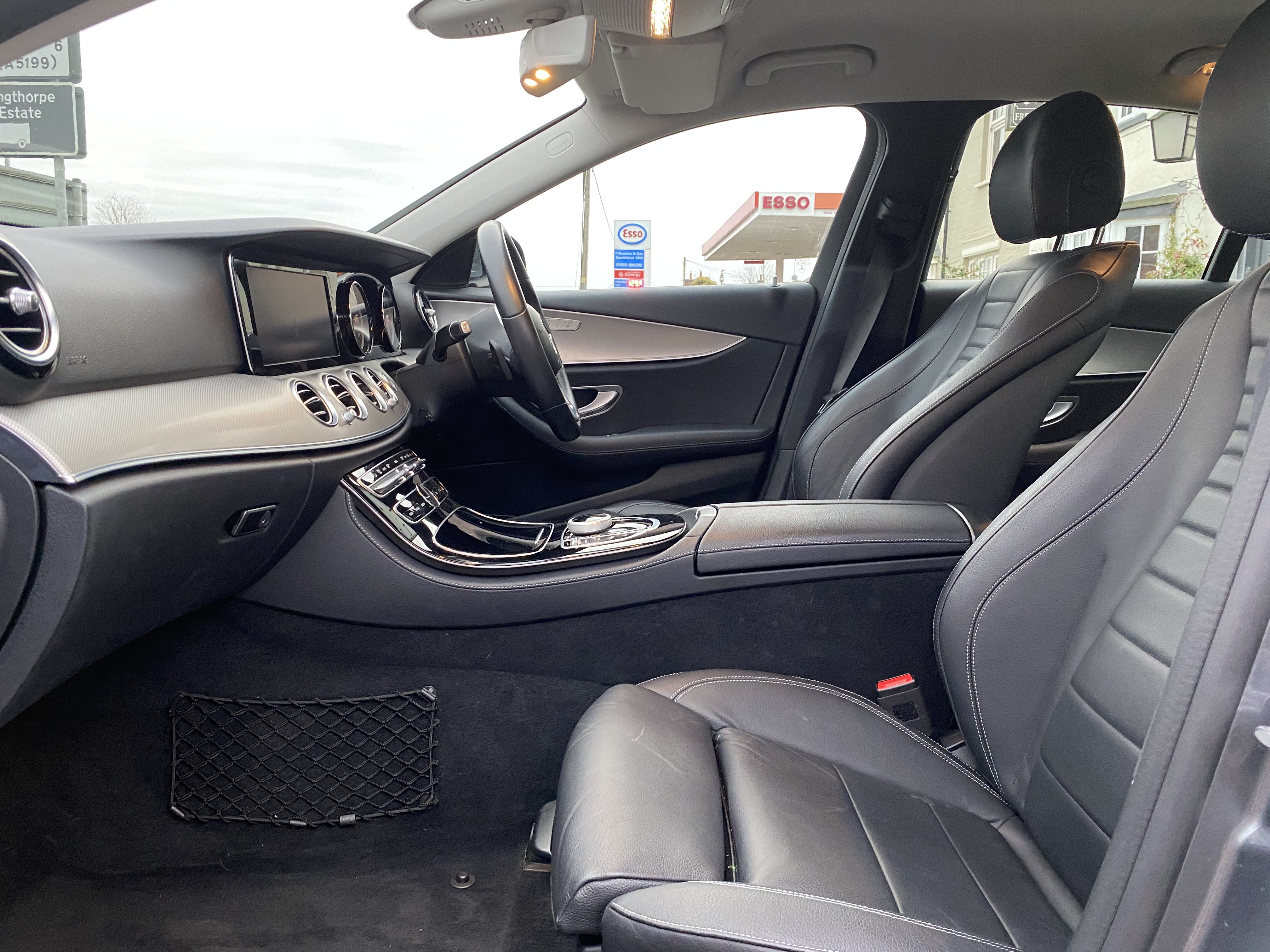 """ON SALE MERCEDES E220d """"SPECIAL EQUIPMENT"""" 9G-TRONIC (2019 MODEL) *GREAT SPEC*SAT NAV - LEATHER - Image 15 of 26"""
