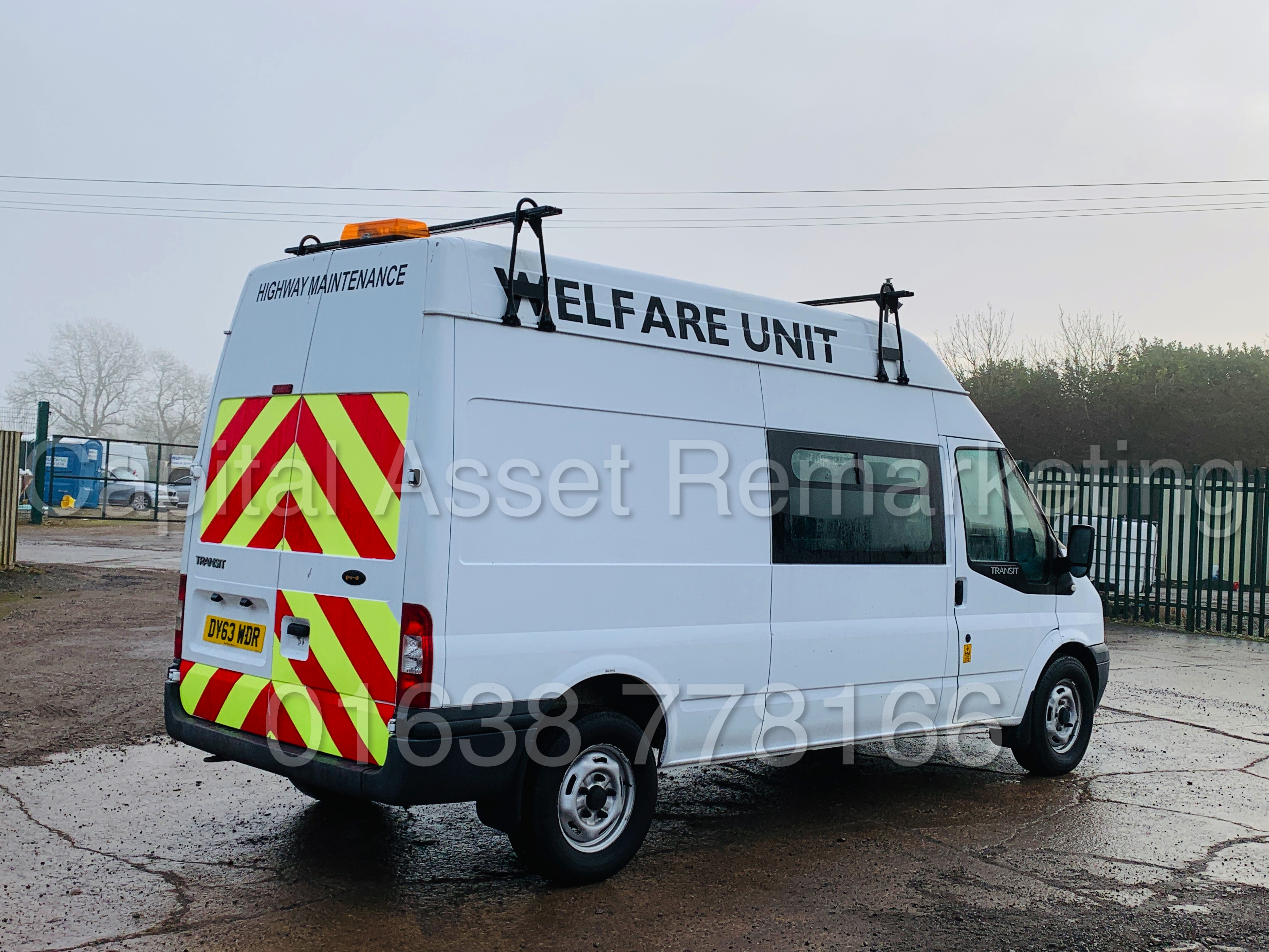 FORD TRANSIT T350 *LWB - 7 SEATER MESSING UNIT* (2014 MODEL) '2.4 TDCI - 6 SPEED' *ON BOARD TOILET* - Image 12 of 44