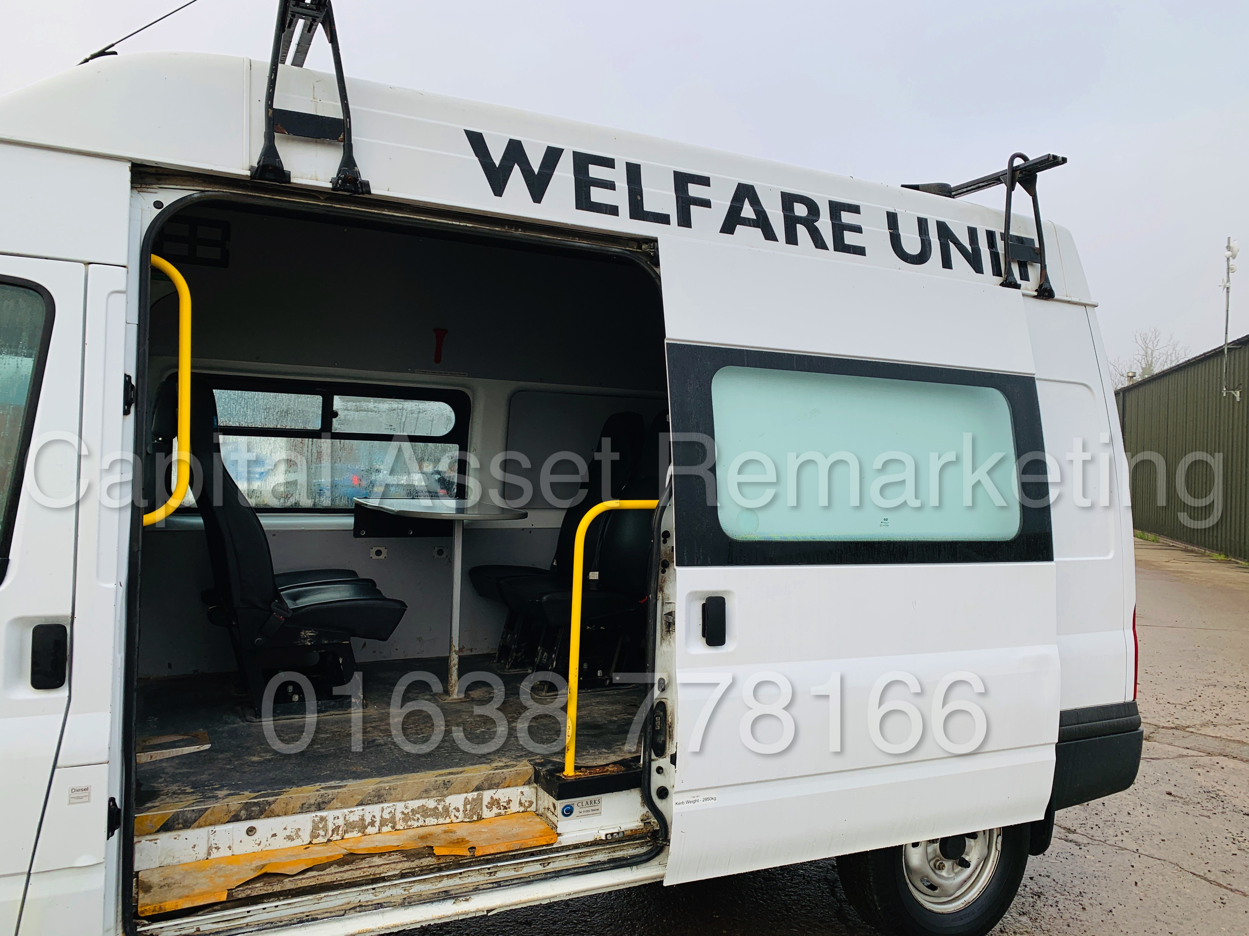 FORD TRANSIT T350 *LWB - 7 SEATER MESSING UNIT* (2014 MODEL) '2.4 TDCI - 6 SPEED' *ON BOARD TOILET* - Image 19 of 44