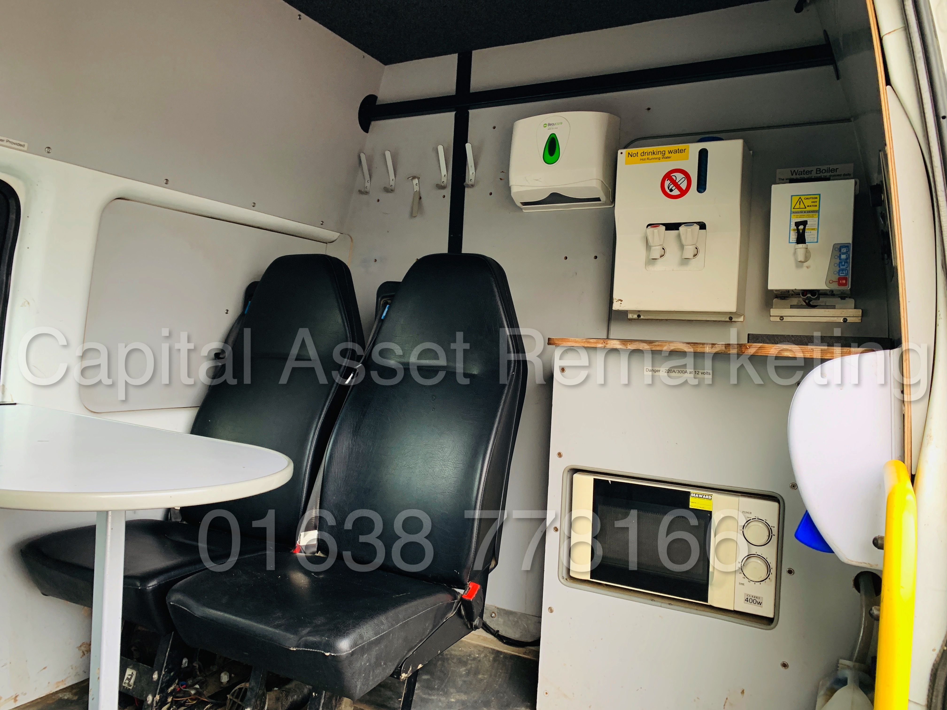FORD TRANSIT T350 *LWB - 7 SEATER MESSING UNIT* (2014 MODEL) '2.4 TDCI - 6 SPEED' *ON BOARD TOILET* - Image 21 of 44