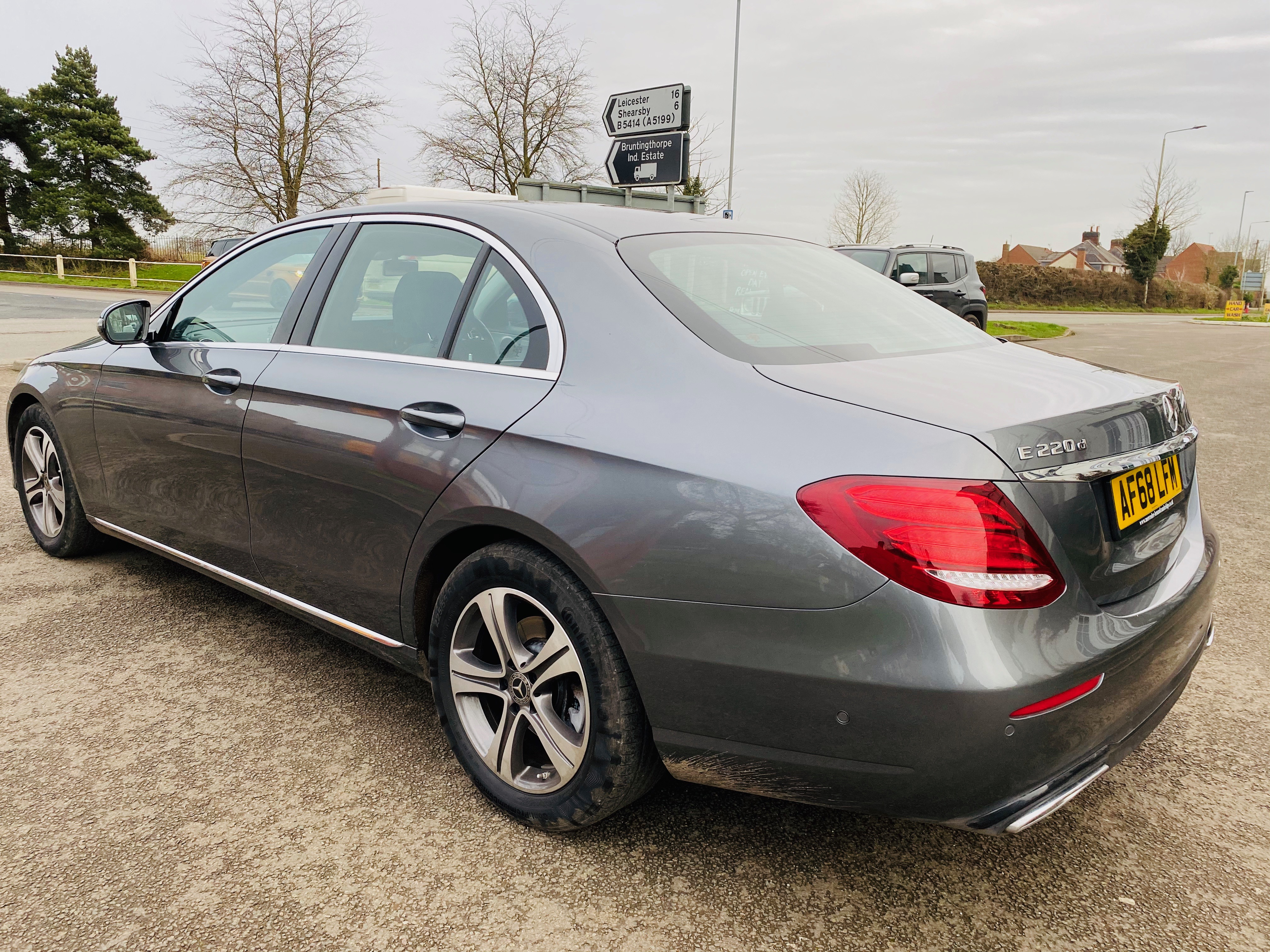 """ON SALE MERCEDES E220d """"SPECIAL EQUIPMENT"""" 9G-TRONIC (2019 MODEL) *GREAT SPEC*SAT NAV - LEATHER - Image 6 of 26"""