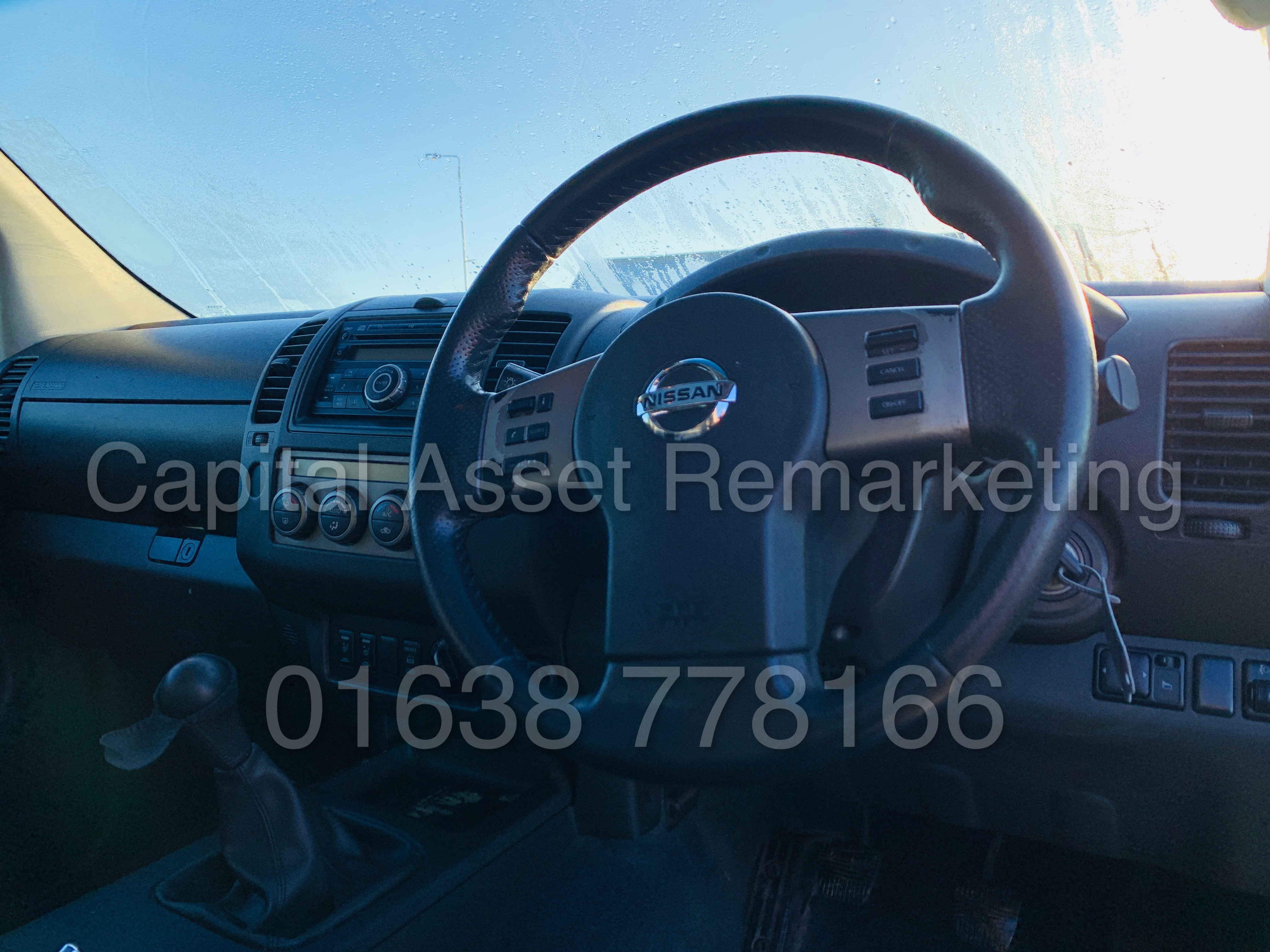 NISSAN NAVARA *OUTLAW* DOUBLE CAB PICK-UP *4X4* (2009) '2.5 DCI-171 BHP- 6 SPEED' *AIR CON* (NO VAT) - Image 31 of 42