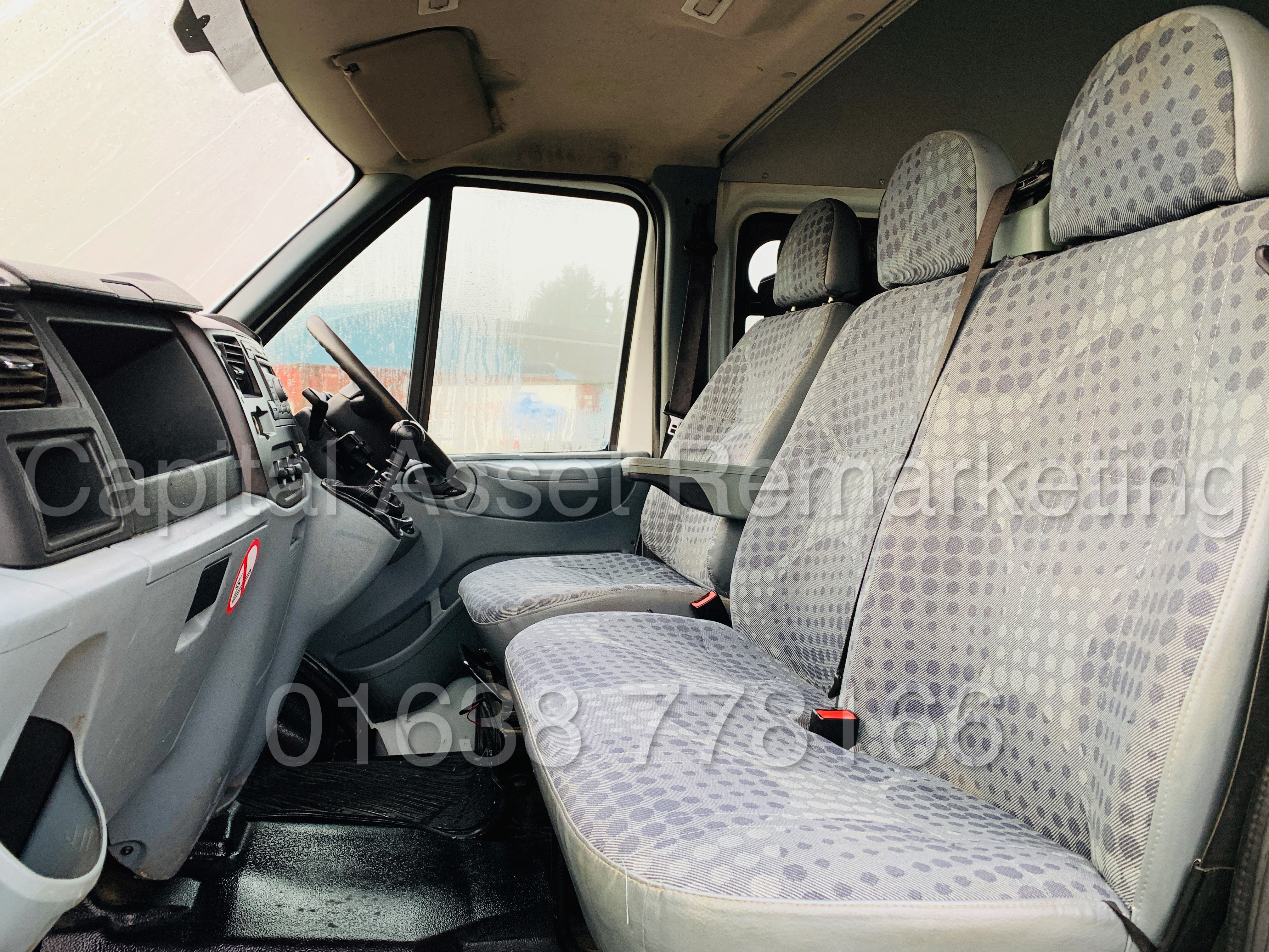 FORD TRANSIT T350 *LWB - 7 SEATER MESSING UNIT* (2014 MODEL) '2.4 TDCI - 6 SPEED' *ON BOARD TOILET* - Image 18 of 44