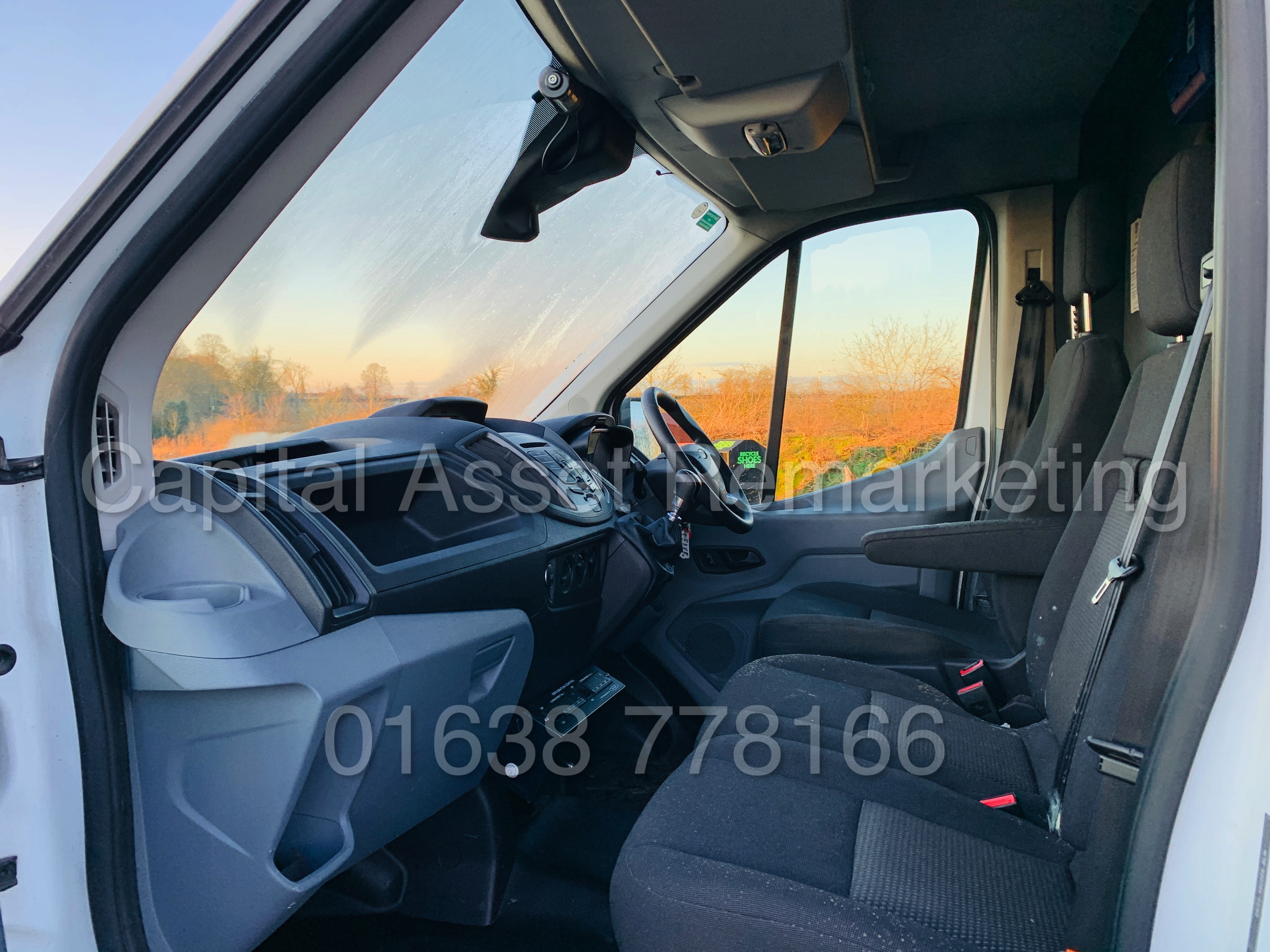 (On Sale) FORD TRANSIT T350 *LWB - REFRIGERATED VAN* (65 REG) '2.2 TDCI -125 BHP- 6 SPEED' (1 OWNER) - Image 17 of 43