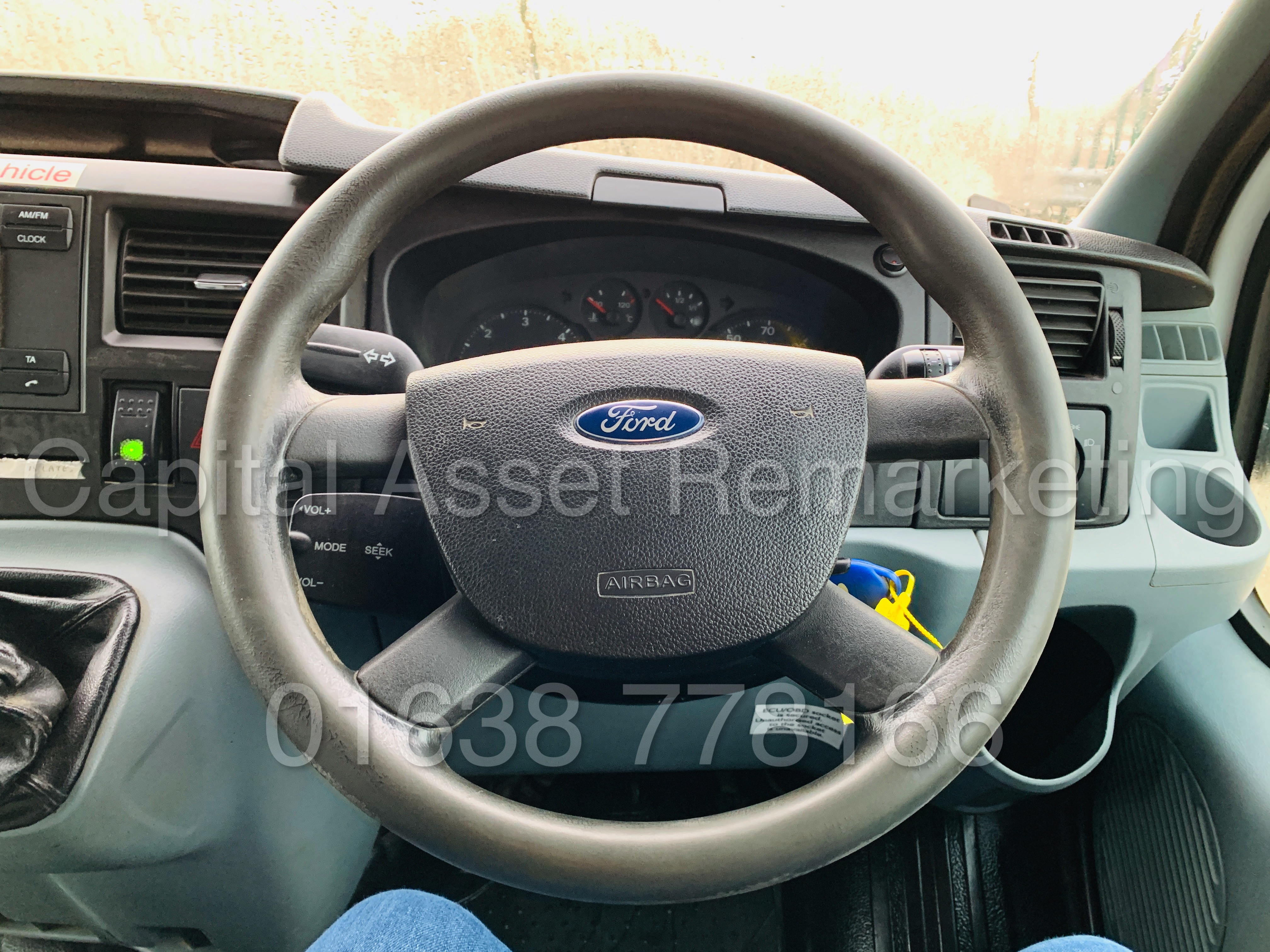 FORD TRANSIT T350 *LWB - 7 SEATER MESSING UNIT* (2014 MODEL) '2.4 TDCI - 6 SPEED' *ON BOARD TOILET* - Image 42 of 44