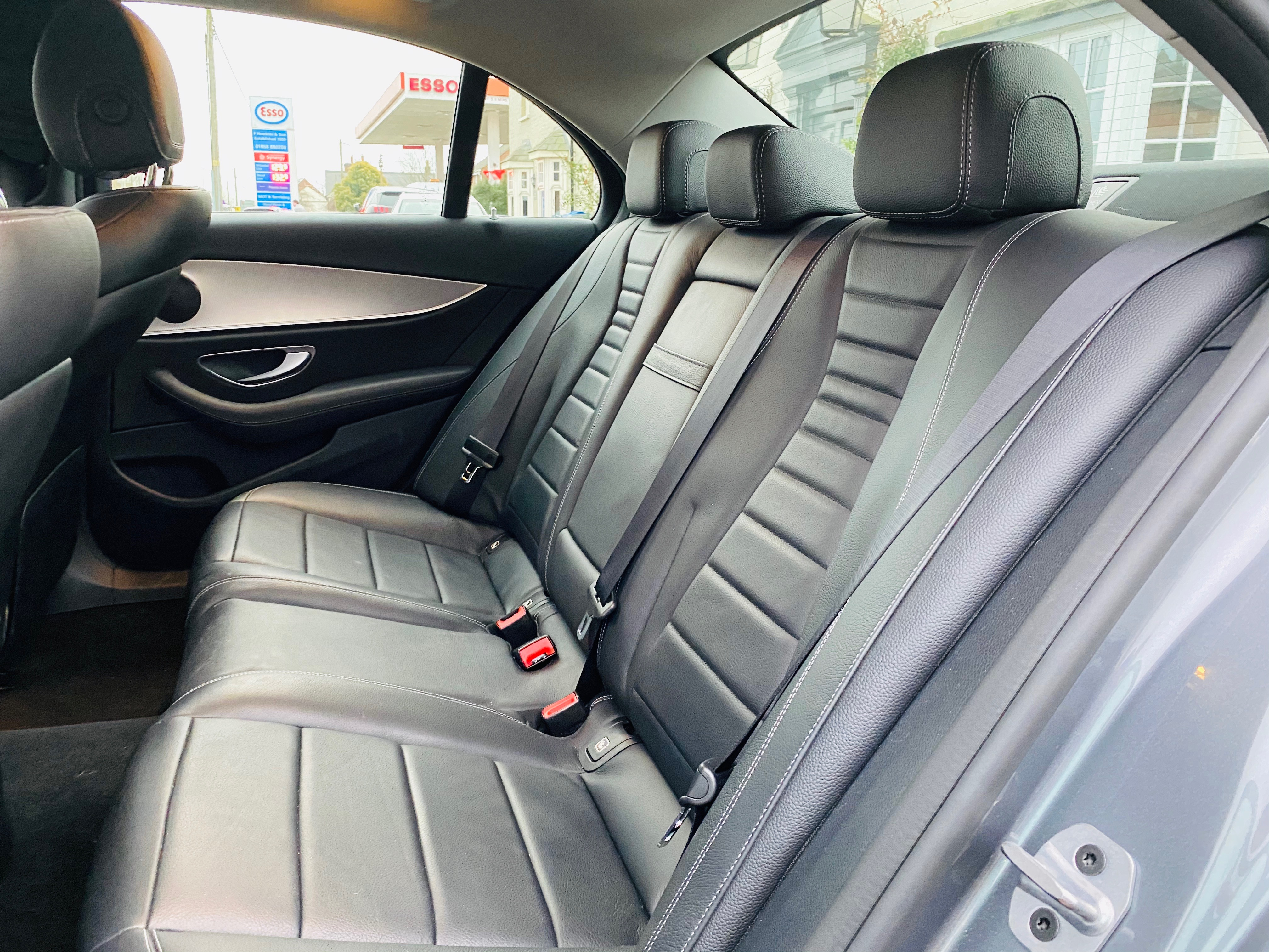 """ON SALE MERCEDES E220d """"SPECIAL EQUIPMENT"""" 9G-TRONIC (2019 MODEL) *GREAT SPEC*SAT NAV - LEATHER - Image 9 of 26"""