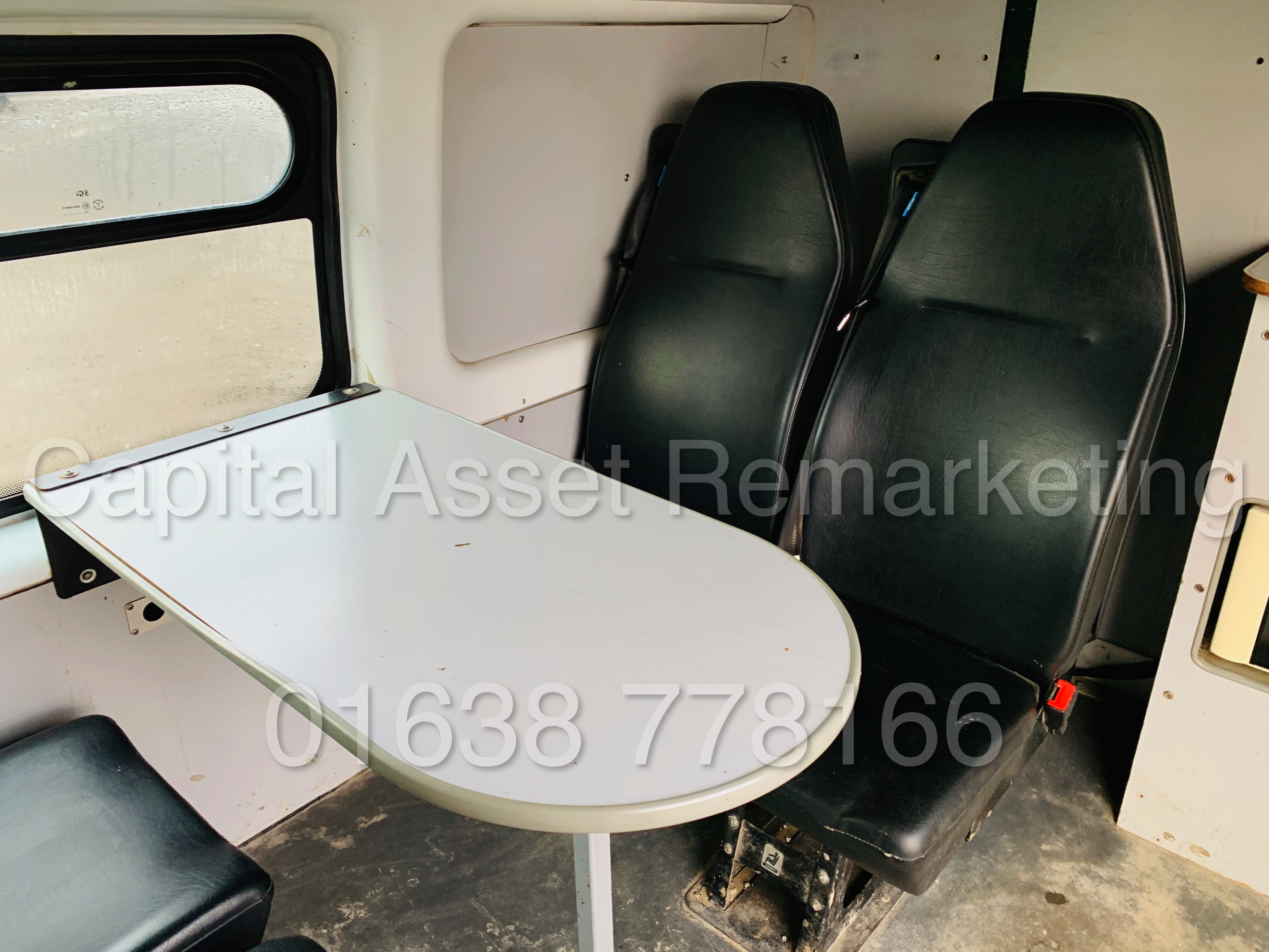 FORD TRANSIT T350 *LWB - 7 SEATER MESSING UNIT* (2014 MODEL) '2.4 TDCI - 6 SPEED' *ON BOARD TOILET* - Image 23 of 44