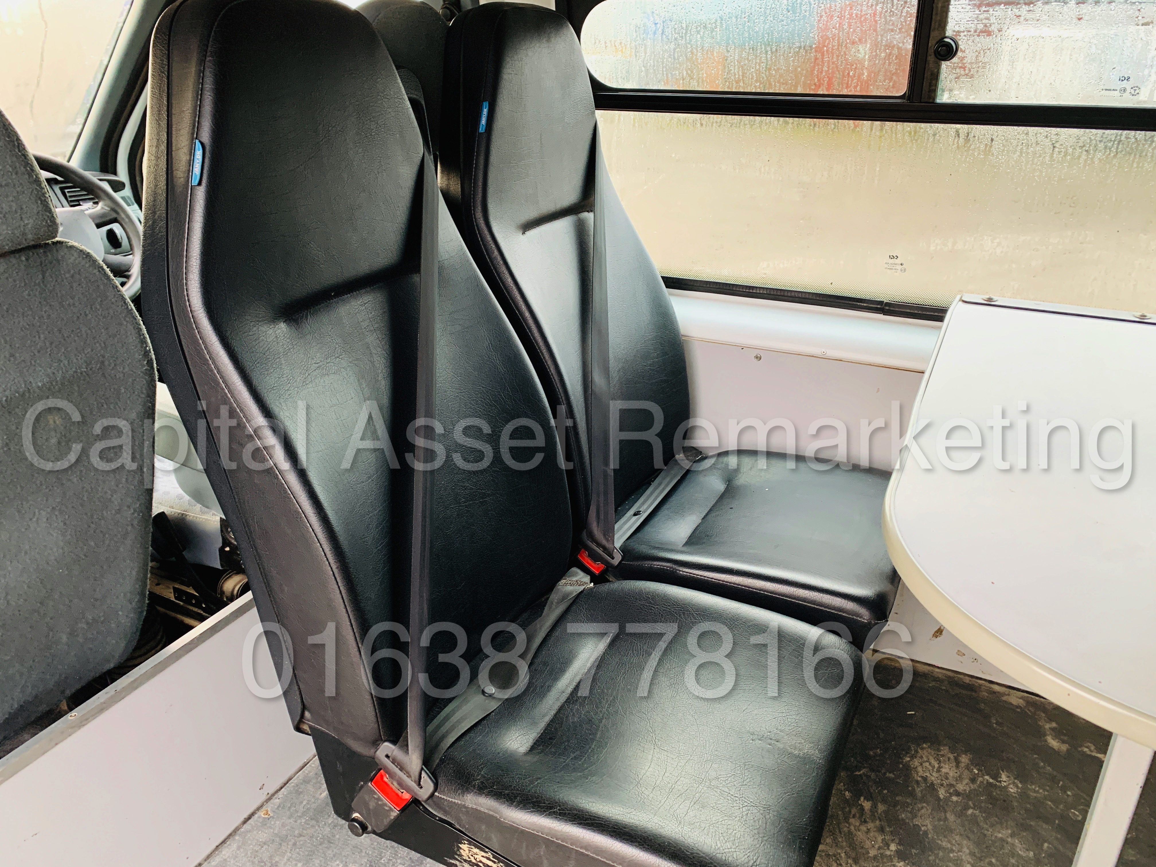 FORD TRANSIT T350 *LWB - 7 SEATER MESSING UNIT* (2014 MODEL) '2.4 TDCI - 6 SPEED' *ON BOARD TOILET* - Image 22 of 44