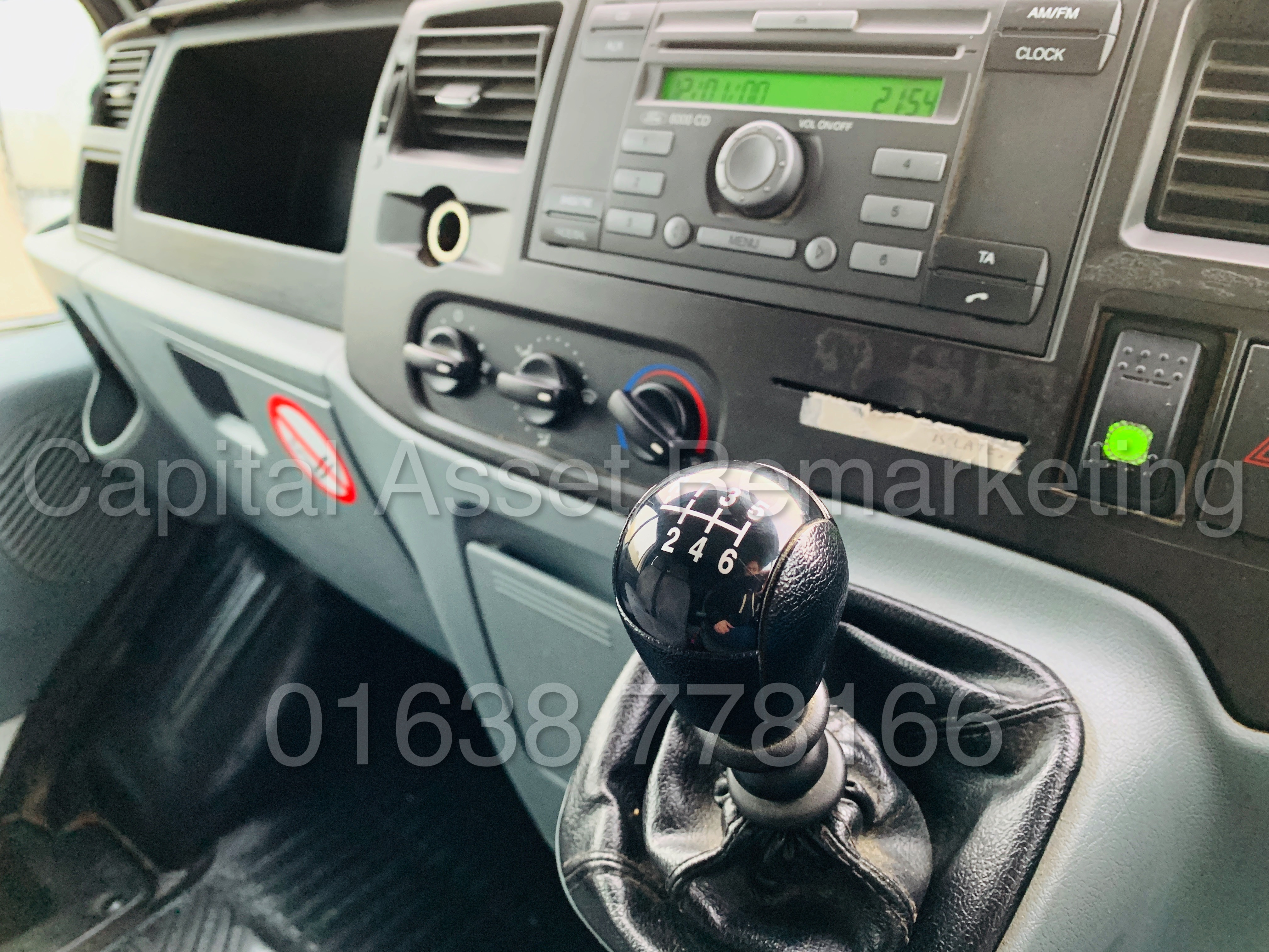 FORD TRANSIT T350 *LWB - 7 SEATER MESSING UNIT* (2014 MODEL) '2.4 TDCI - 6 SPEED' *ON BOARD TOILET* - Image 40 of 44
