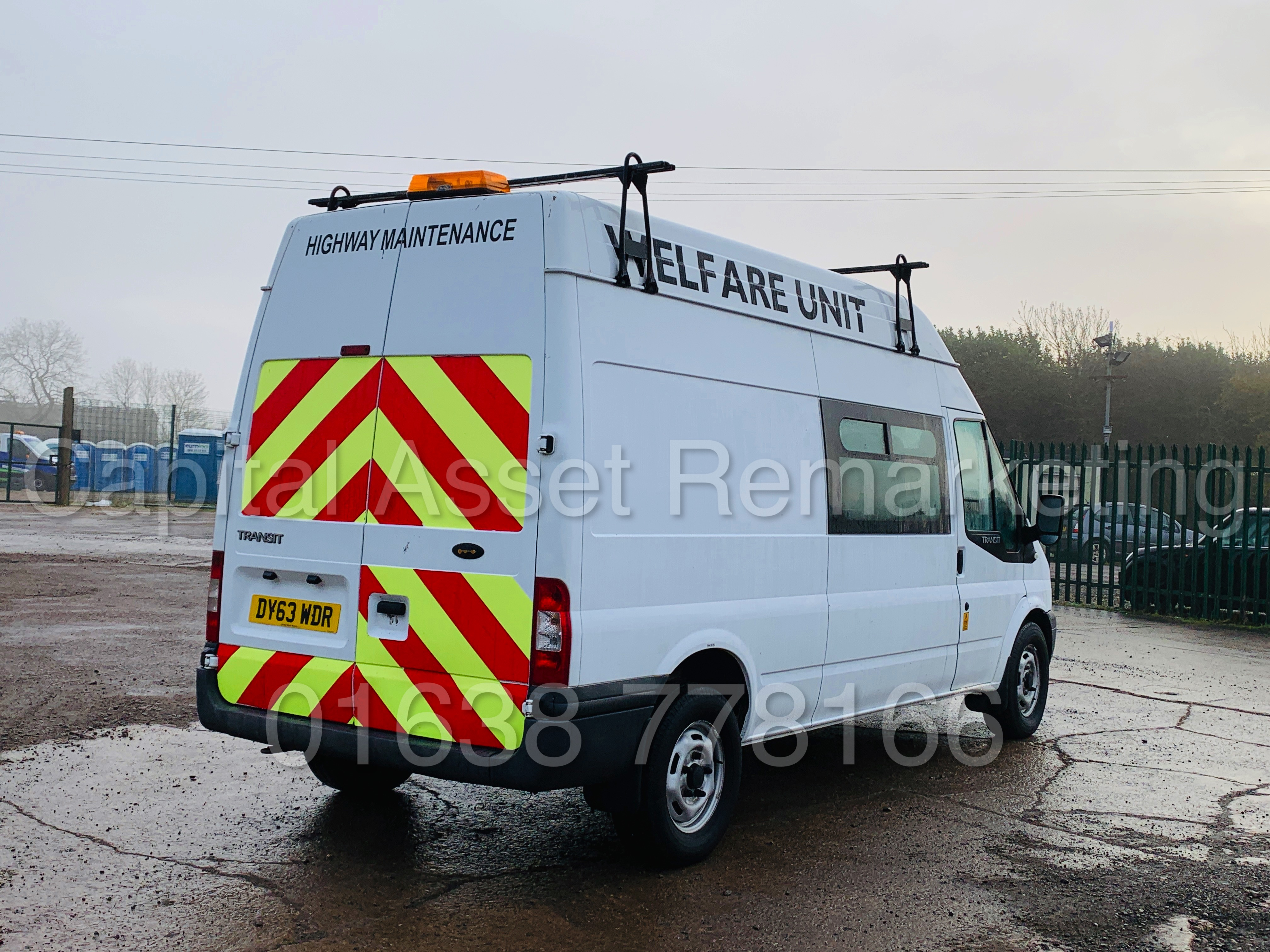 FORD TRANSIT T350 *LWB - 7 SEATER MESSING UNIT* (2014 MODEL) '2.4 TDCI - 6 SPEED' *ON BOARD TOILET* - Image 11 of 44