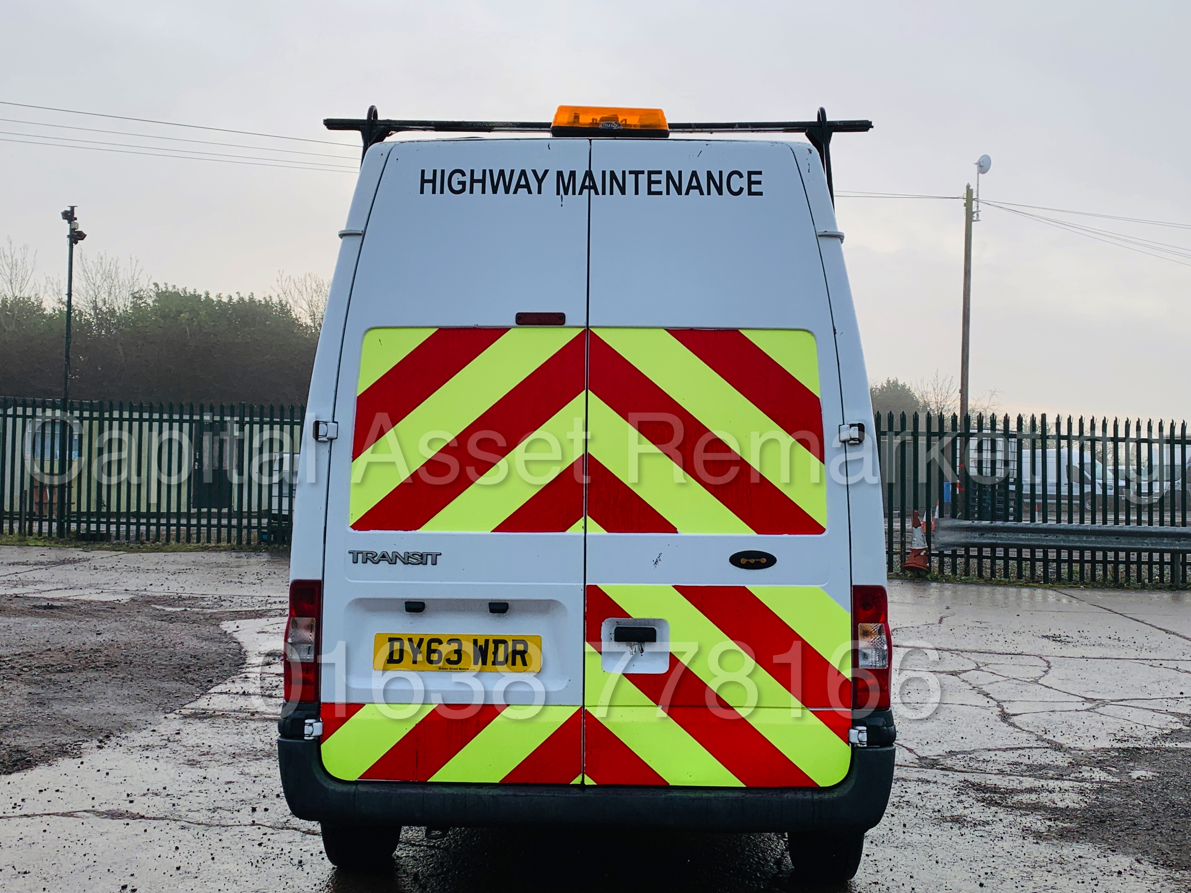 FORD TRANSIT T350 *LWB - 7 SEATER MESSING UNIT* (2014 MODEL) '2.4 TDCI - 6 SPEED' *ON BOARD TOILET* - Image 10 of 44