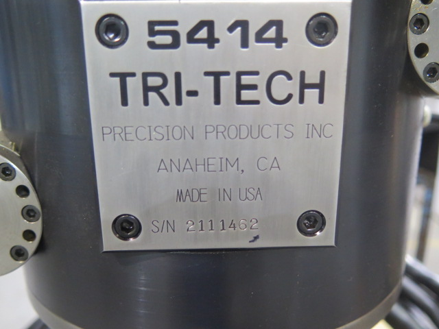Lot 48 - 2011 Tri-Tech mdl. M5414 5th Axis Programmable Head Attachment s/n 2111462 w/ Full 90 Deg with 360