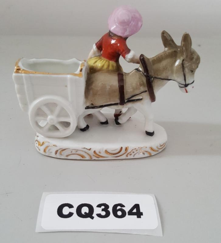 Lot 7394 - 1 x Small Porcelain Figurine Of Women With Horse And Cart - Ref CQ364 E - Dimensions: H7/L9 cm - CL3