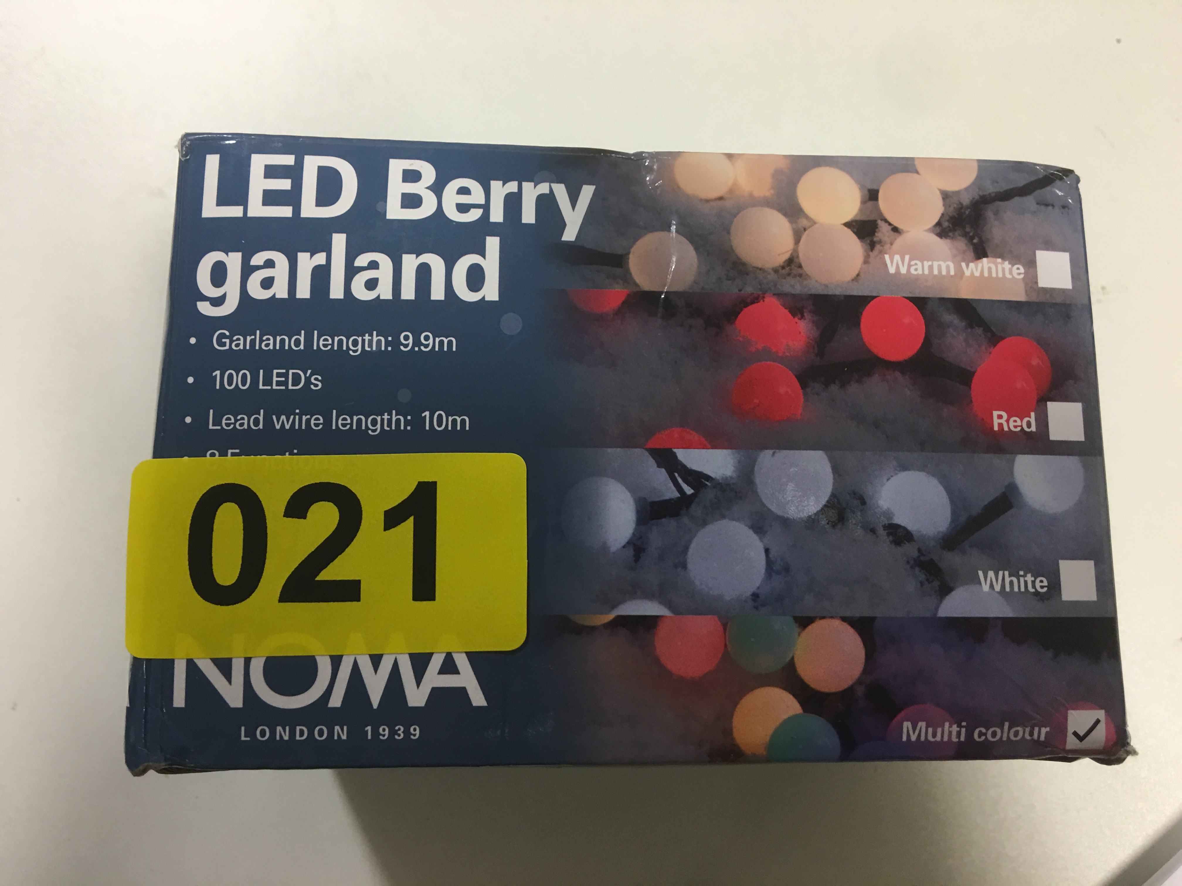 Lot 38 - LED Berry Garland - Y21