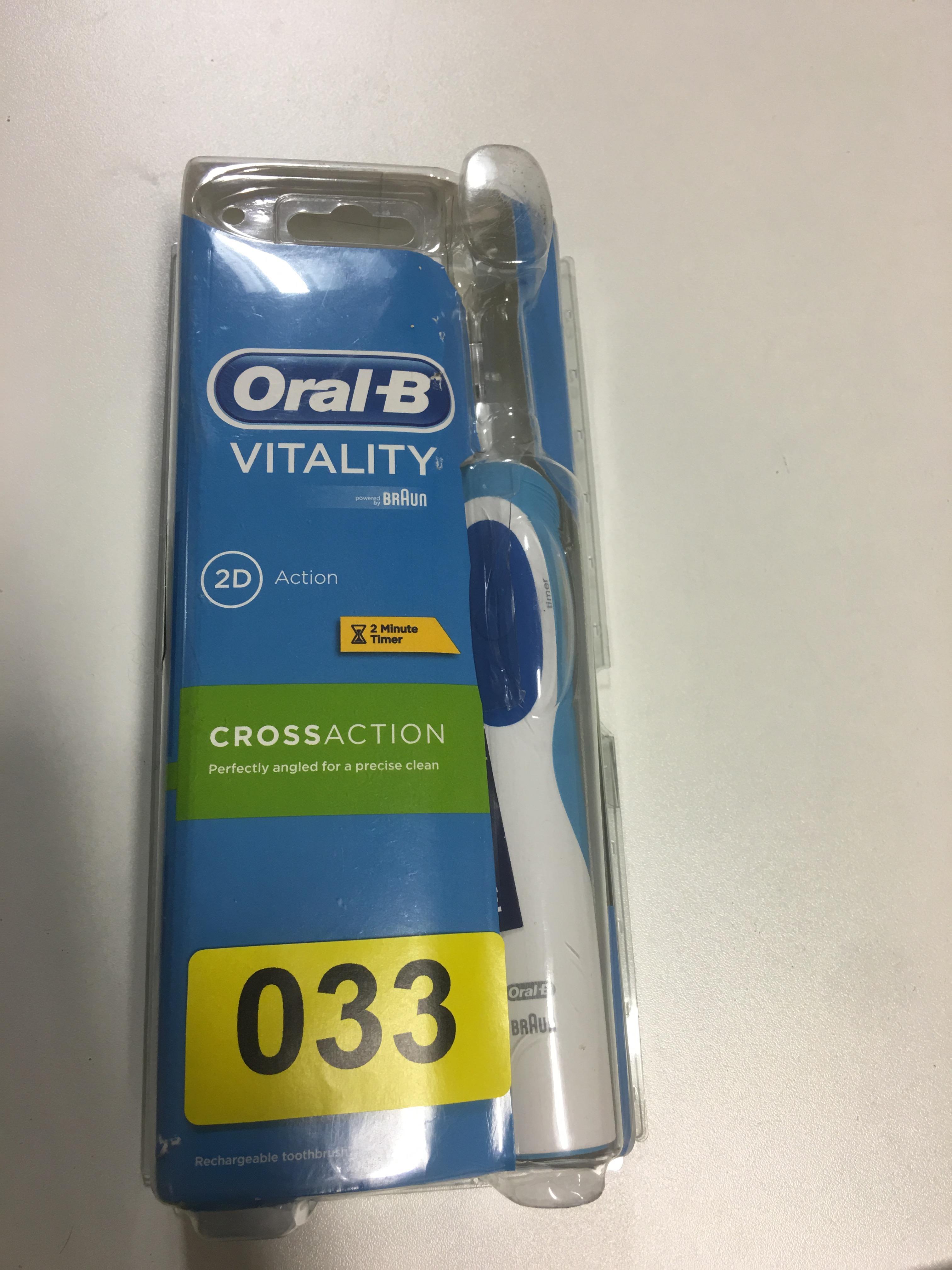 Lot 52 - Oral-B Vitality - Y33