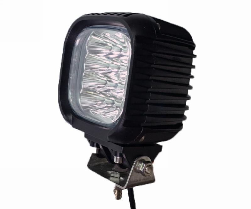 48W LED Work Light Power supply: 10-30V DC RRP £105 Power supply: 10