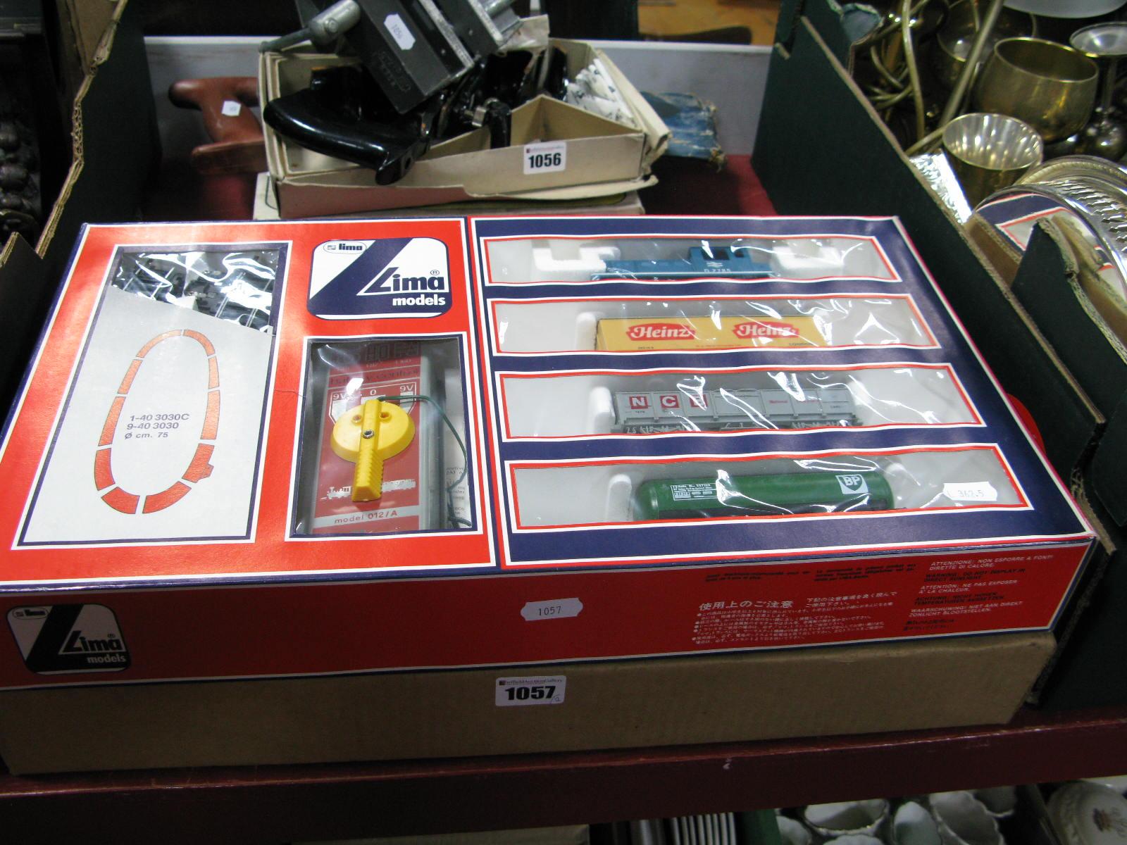 Lot 1057 - A Lima Model 012/A 'OO' Gauge Train Set. Boxed