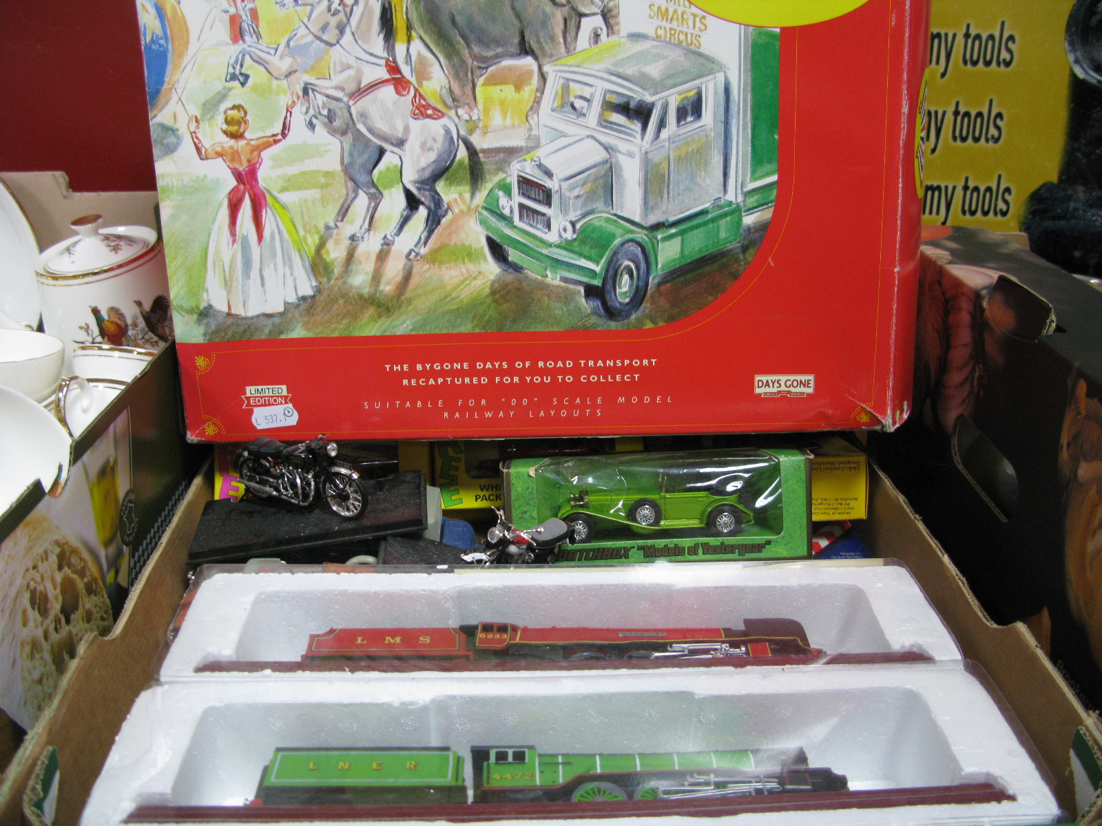 Lot 1011 - A Days Gone Limited Edition 'Circus Collection' AEC Mammoth Box and Generator (boxed), boxed and