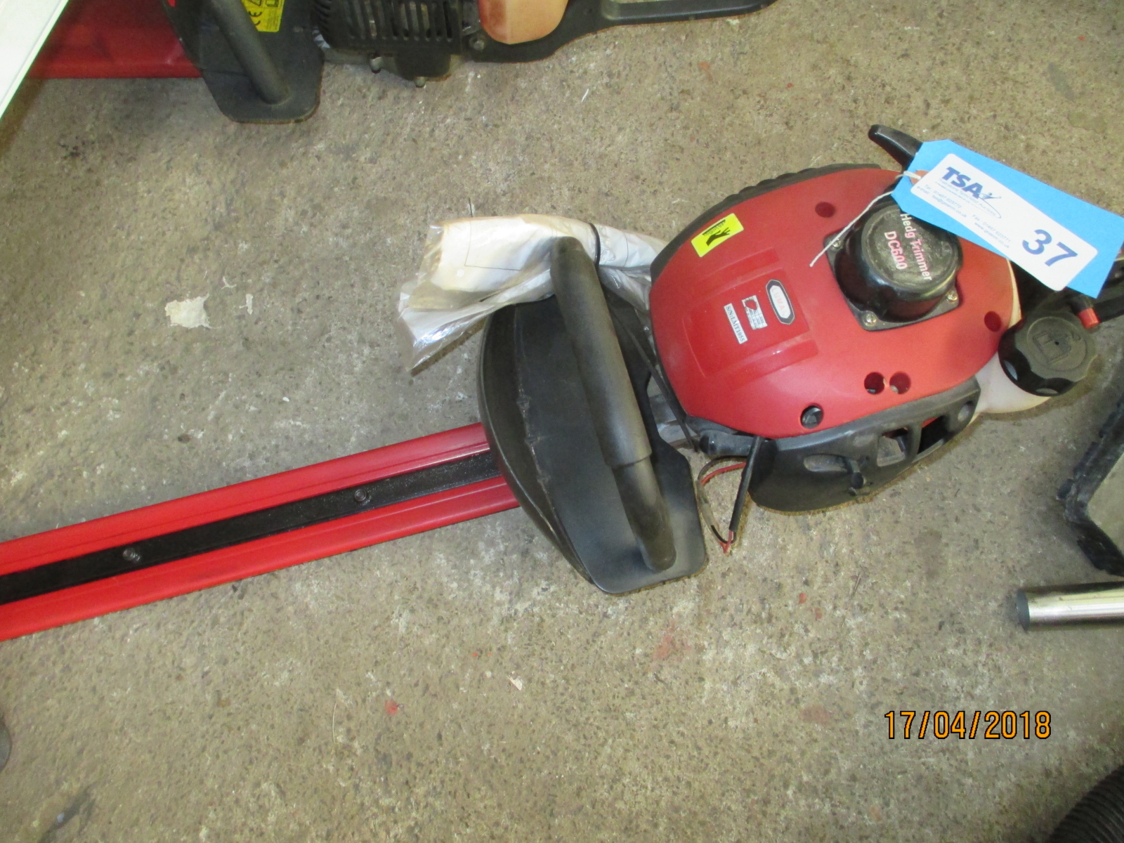 Lot 37 - 1 No. Luman DC600 Petrol Hedge Trimmer