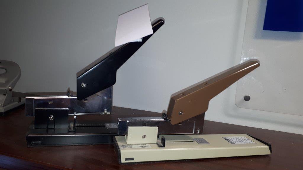 Lot 5 - Heavy duty staplers