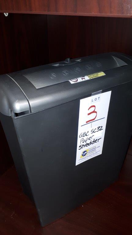 Lot 3 - GBC SC32 paper shredder