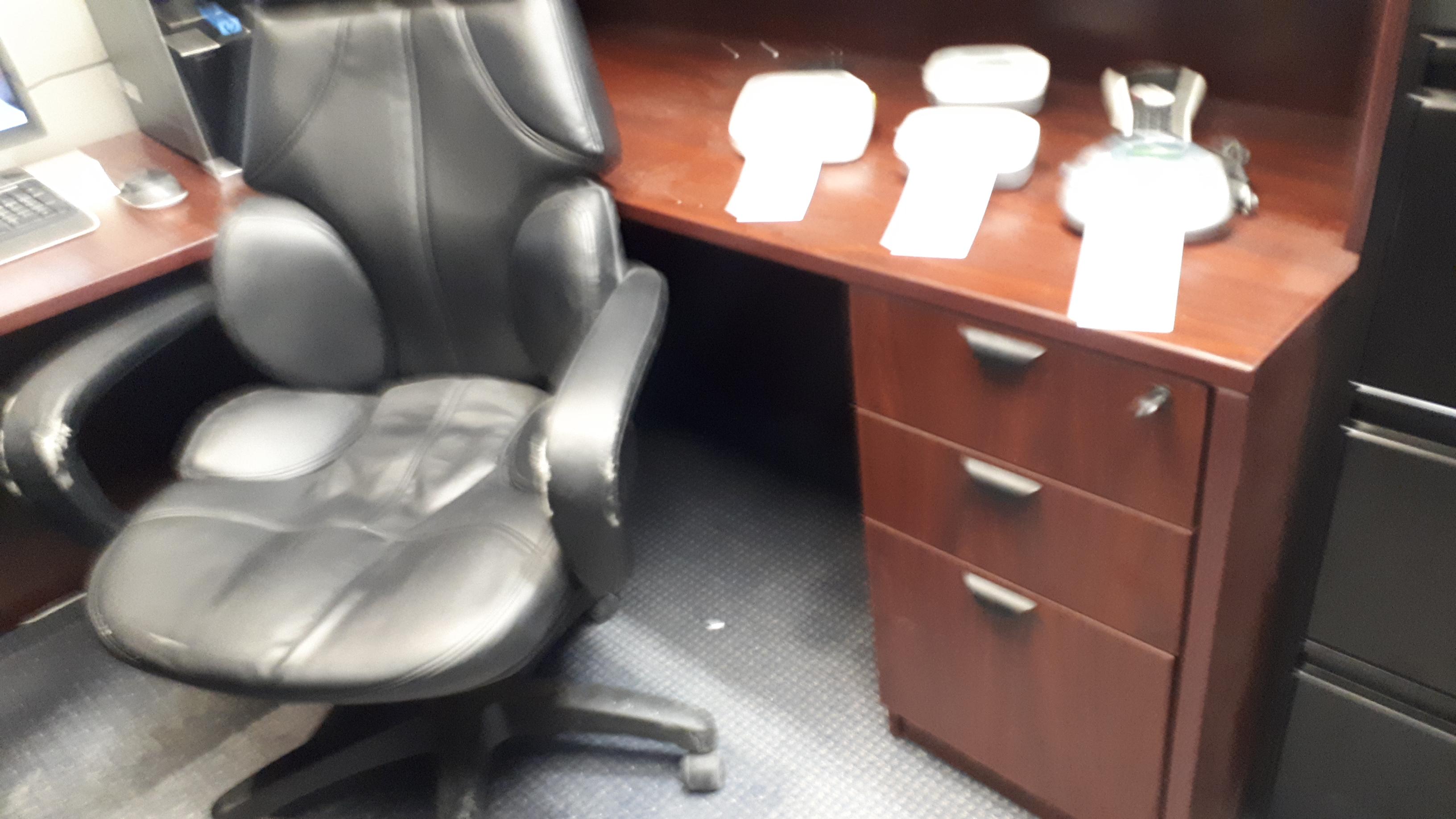 "Lot 11 - ""U"" Shaped desk w/6-drawers & credenza"