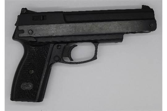 A Gamo air pistol, cal  4 5 ( 177), made in Spain